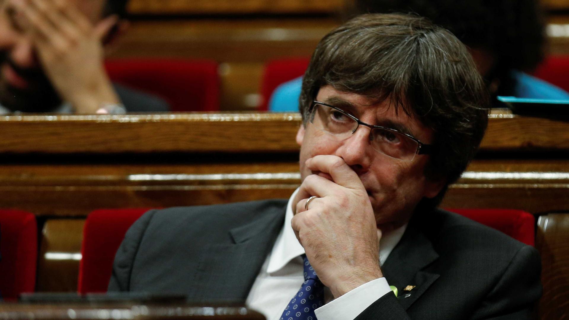 Justiça belga coloca ex-presidente catalão em liberdade