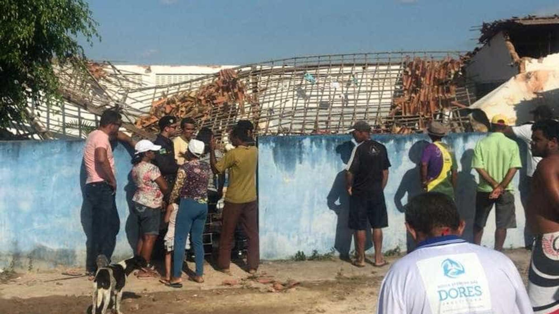 Caixa d'água desaba sobre escola e mata três crianças em Sergipe
