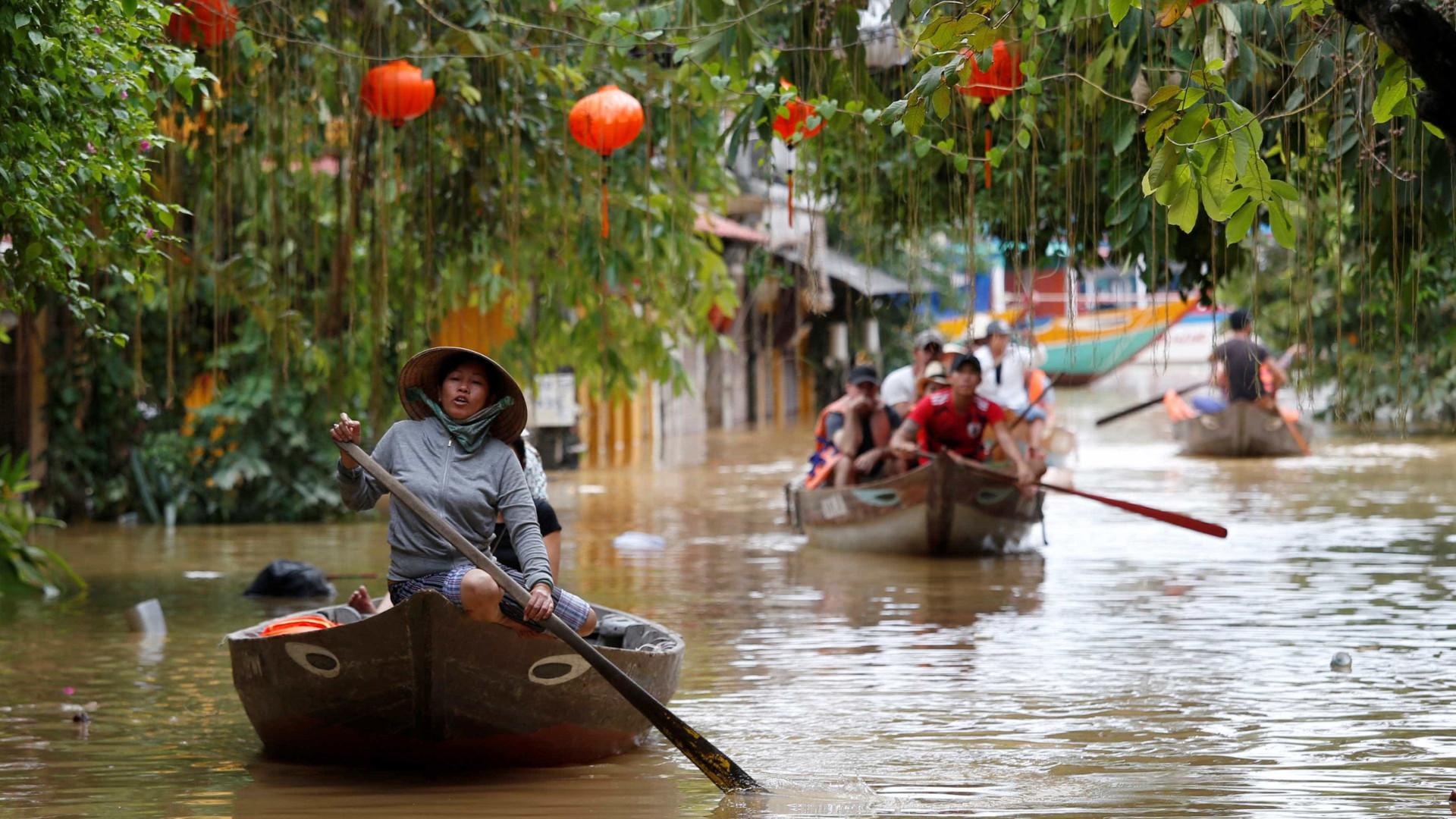 Passagem de tufão no Vietnã mata cerca de 70 pessoas