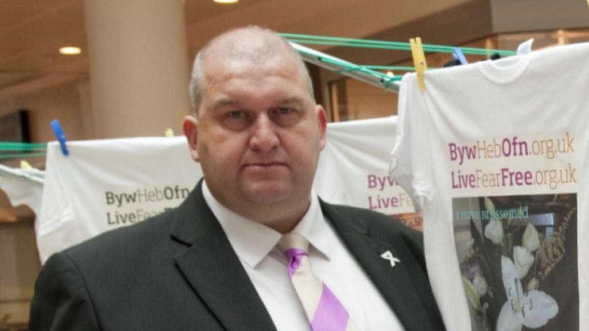 Ex-ministro do governo galês é encontrado morto
