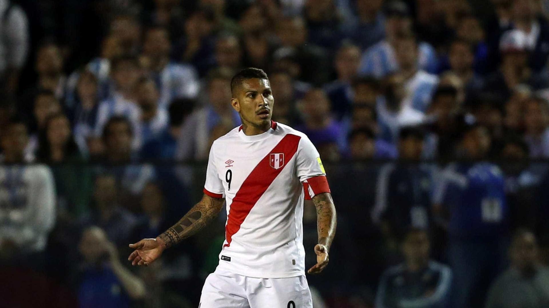 Pena de Guerrero é reduzida para seis meses e atacante vai à Copa