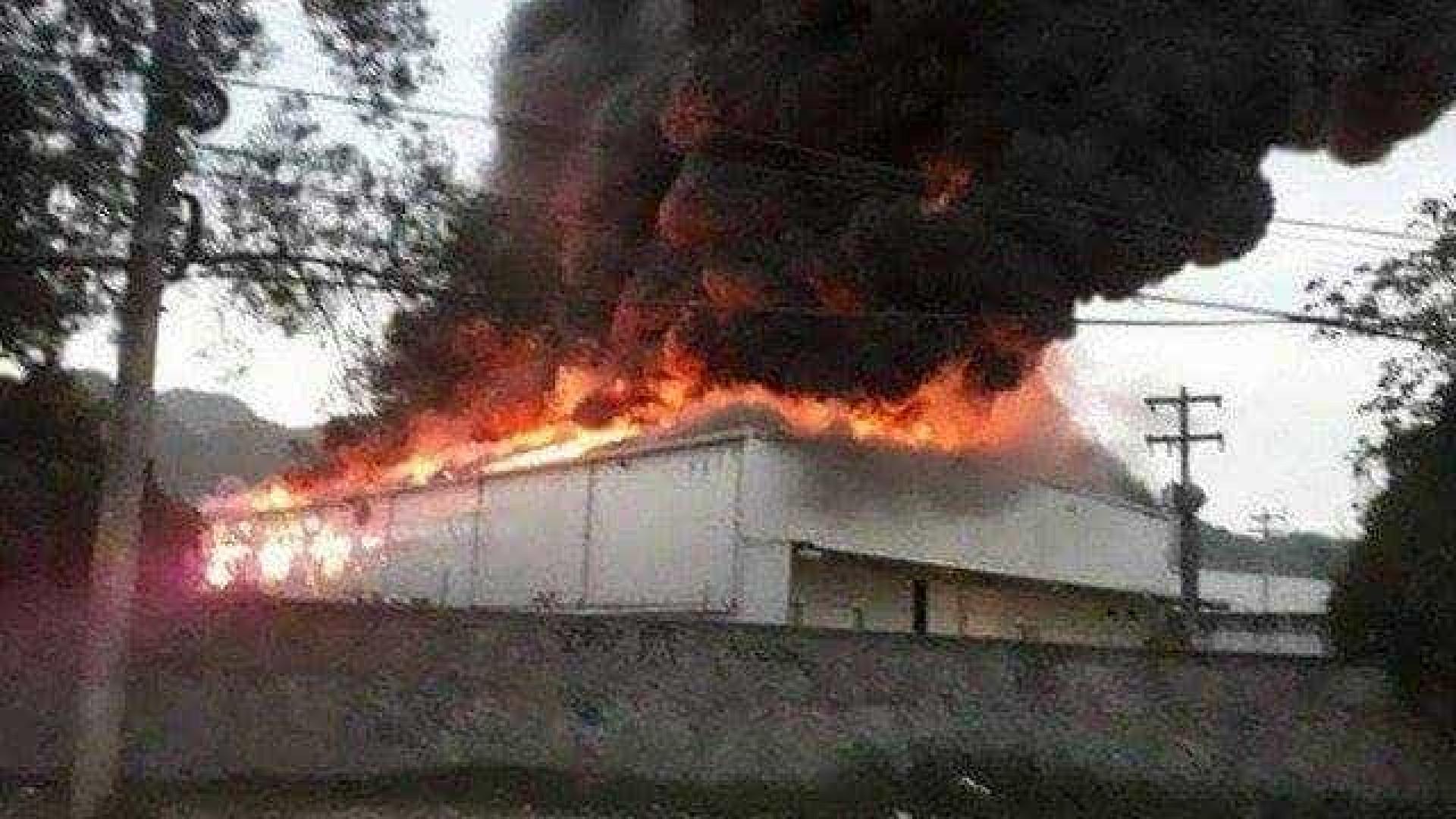 Incêndio atinge galpão nos Estúdios Globo, no Rio