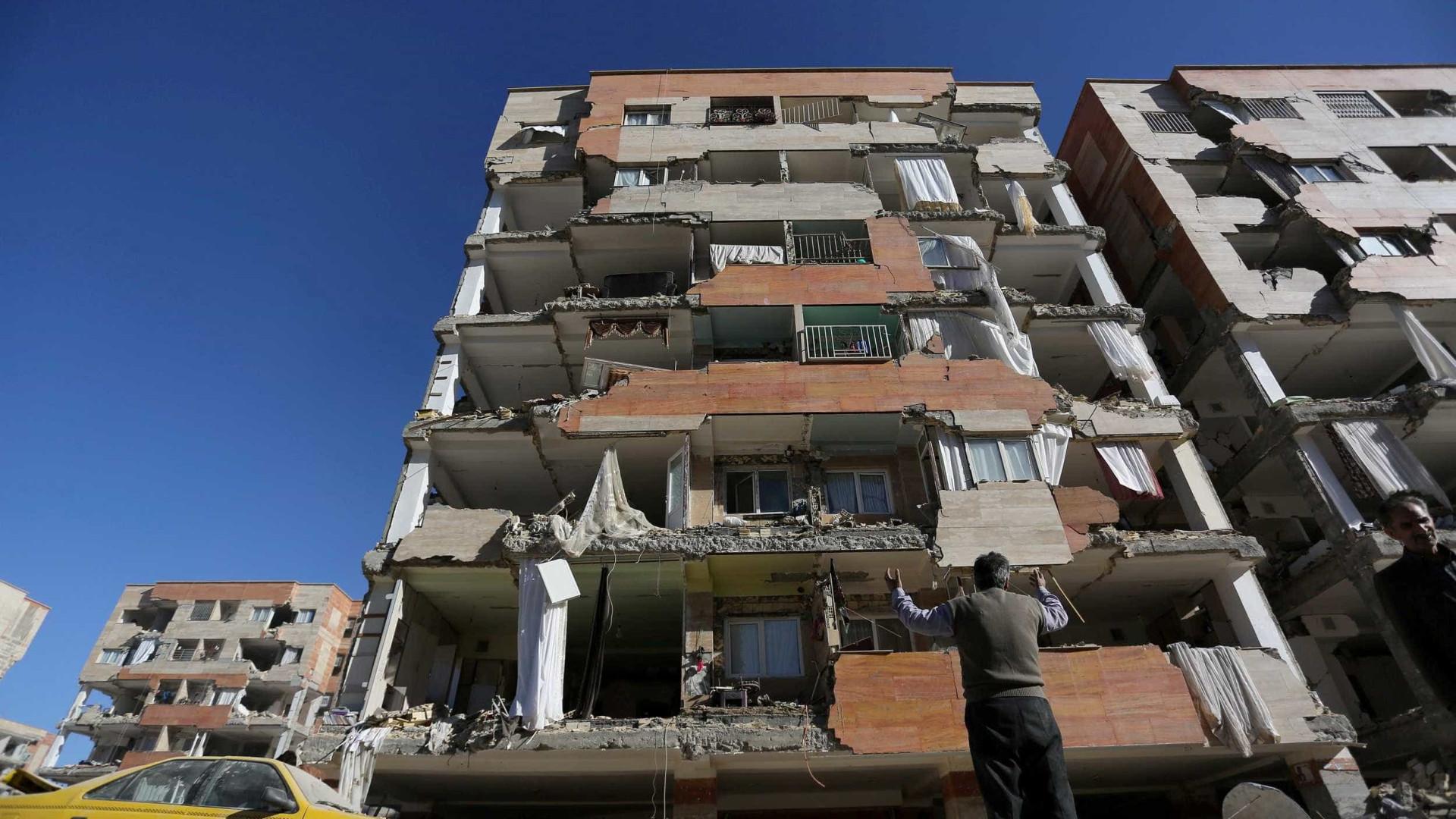 Veja as imagens do terremoto no Irã que já deixa mais de 341 mortos