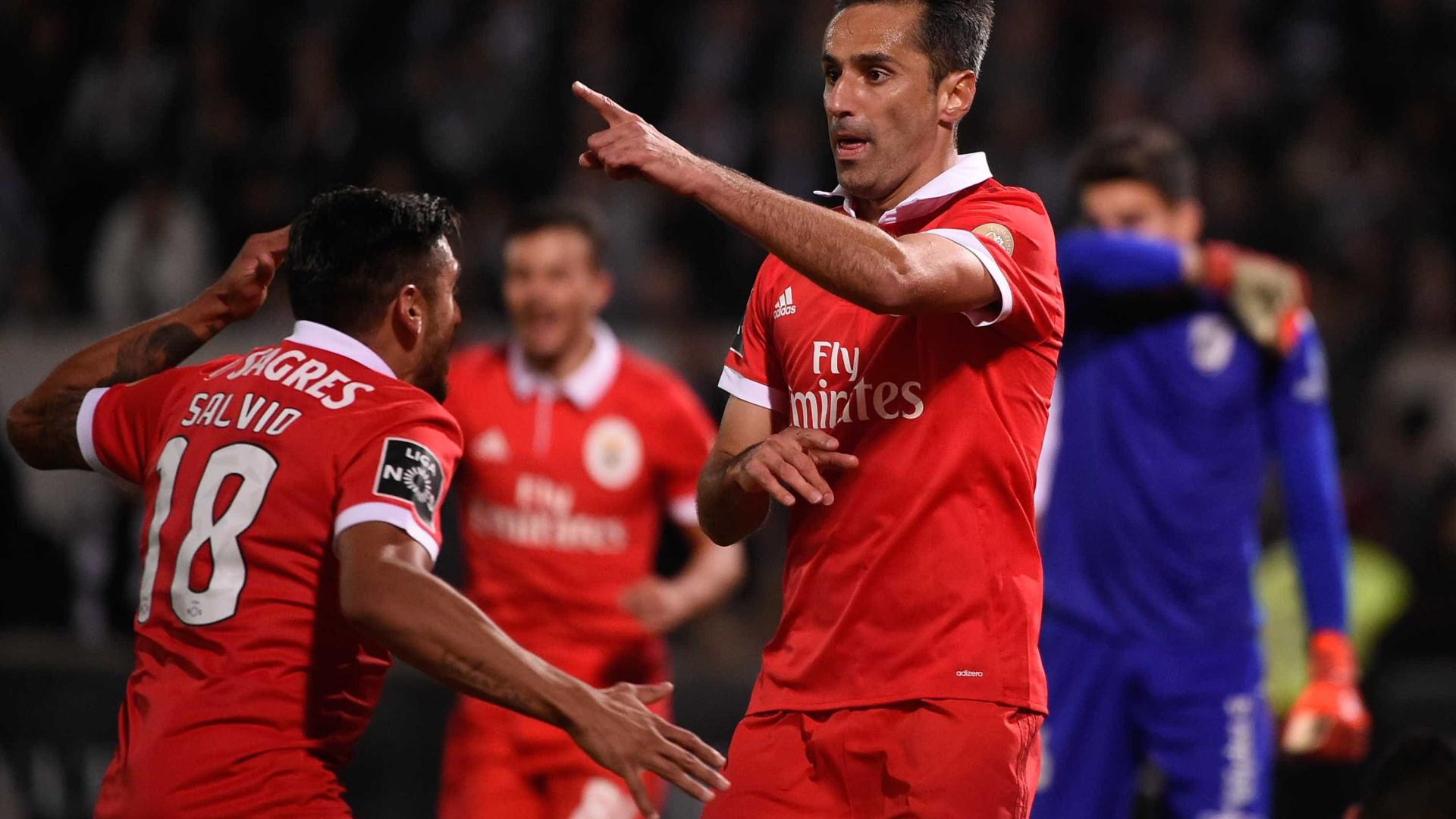 Jonas encerra novela, descarta interesse do Palmeiras e fica no Benfica