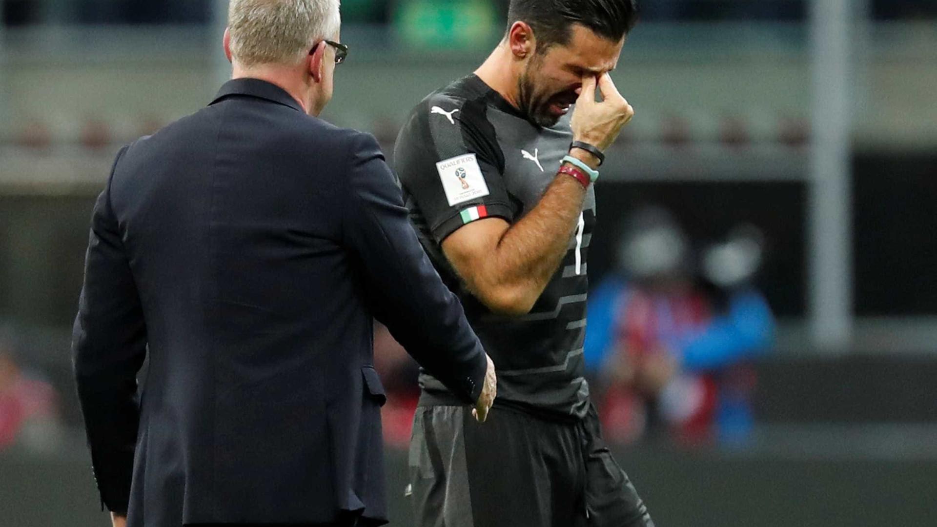 Juventus homenageia Buffon, após choro em eliminação