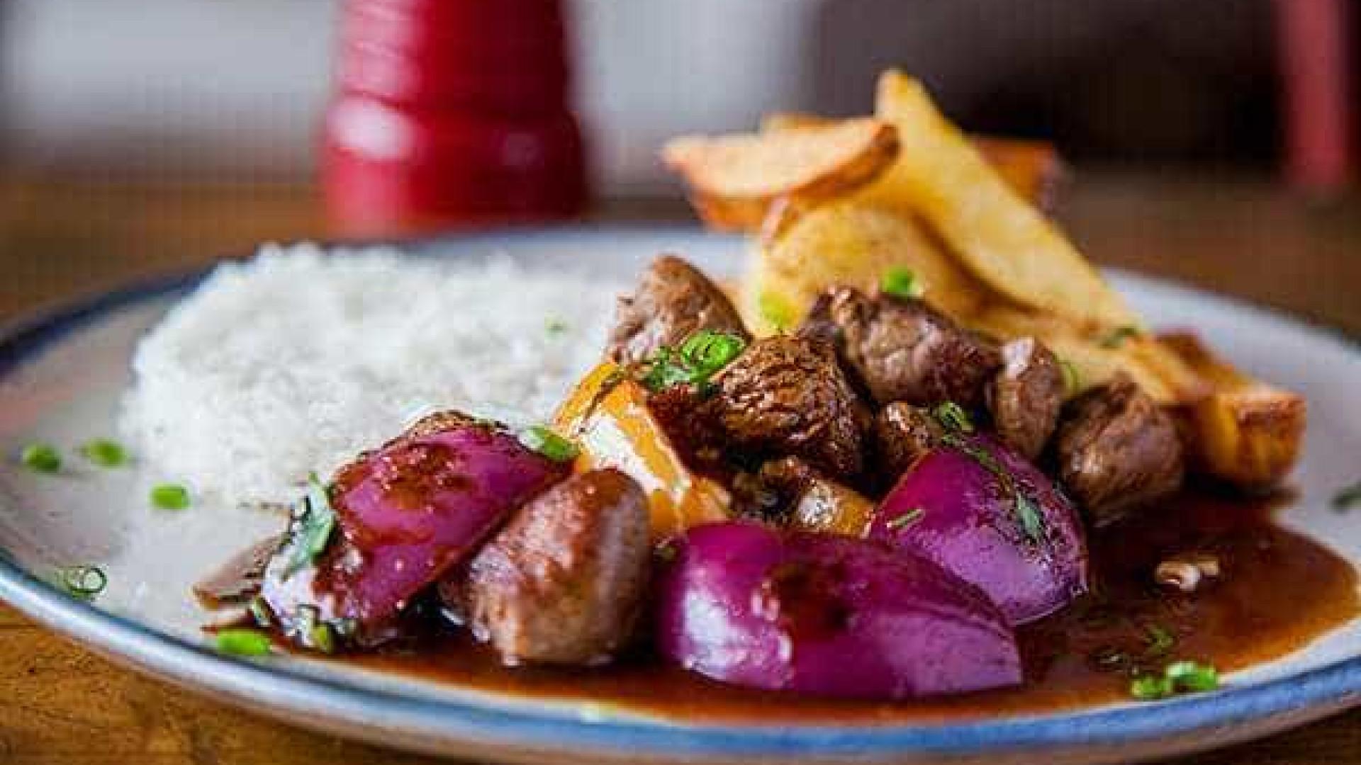 Culinária peruana possui sabor marcante: aprenda a fazer Lomo Saltado