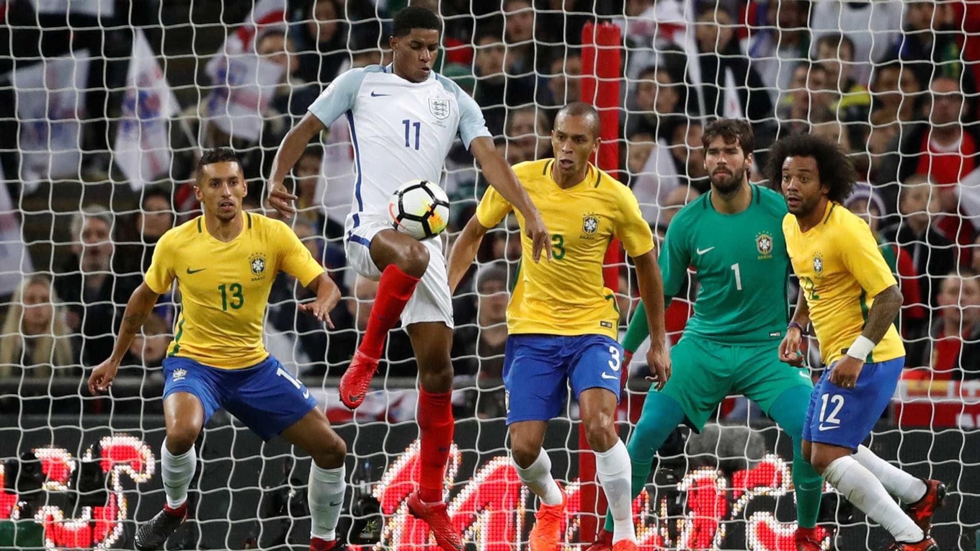 Brasil empata com Inglaterra em jogo morno no estádio de Wembley
