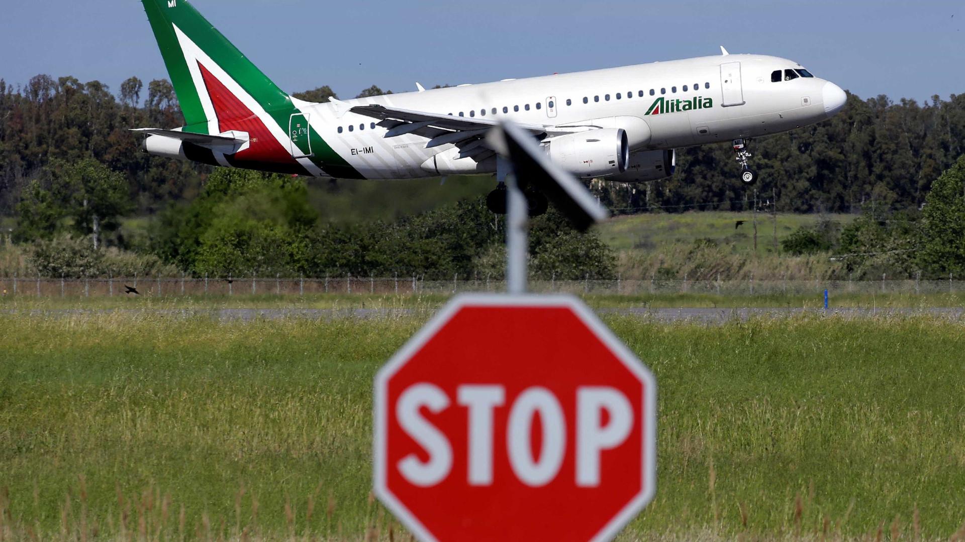 Alitalia terá de pagar R$ 6 mil a passageira que passou 15h com fome