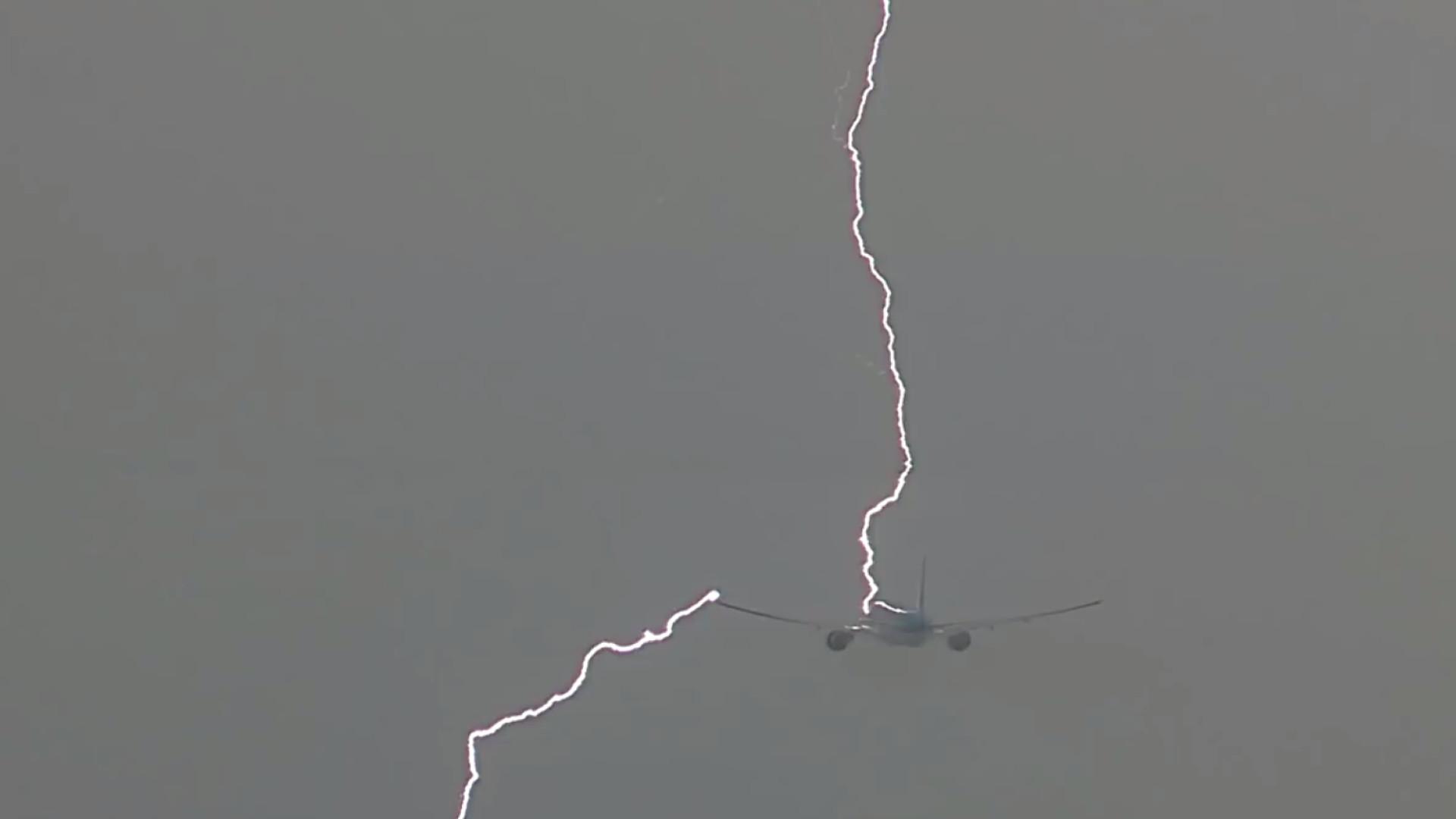 Susto! Avião é atingido por raio após decolar em Amsterdã