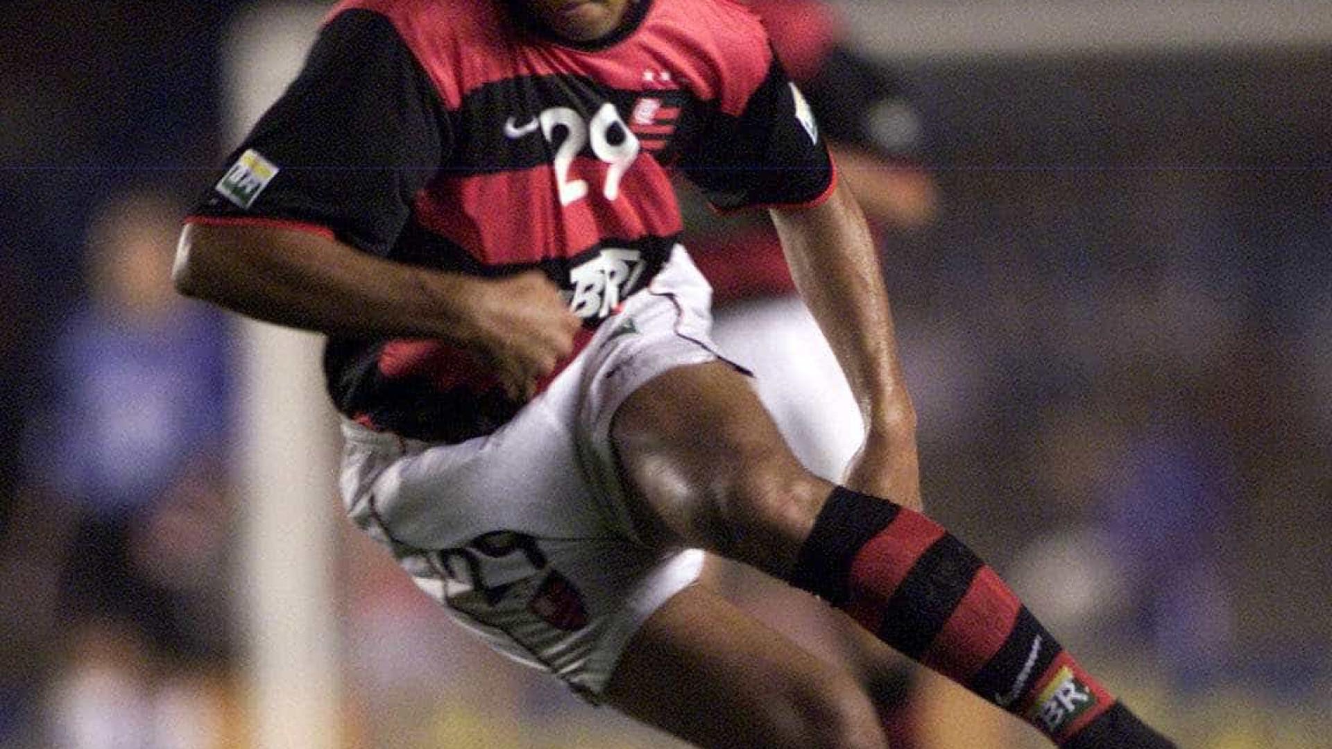 Adriano quer jogar no Flamengo... sem receber nada