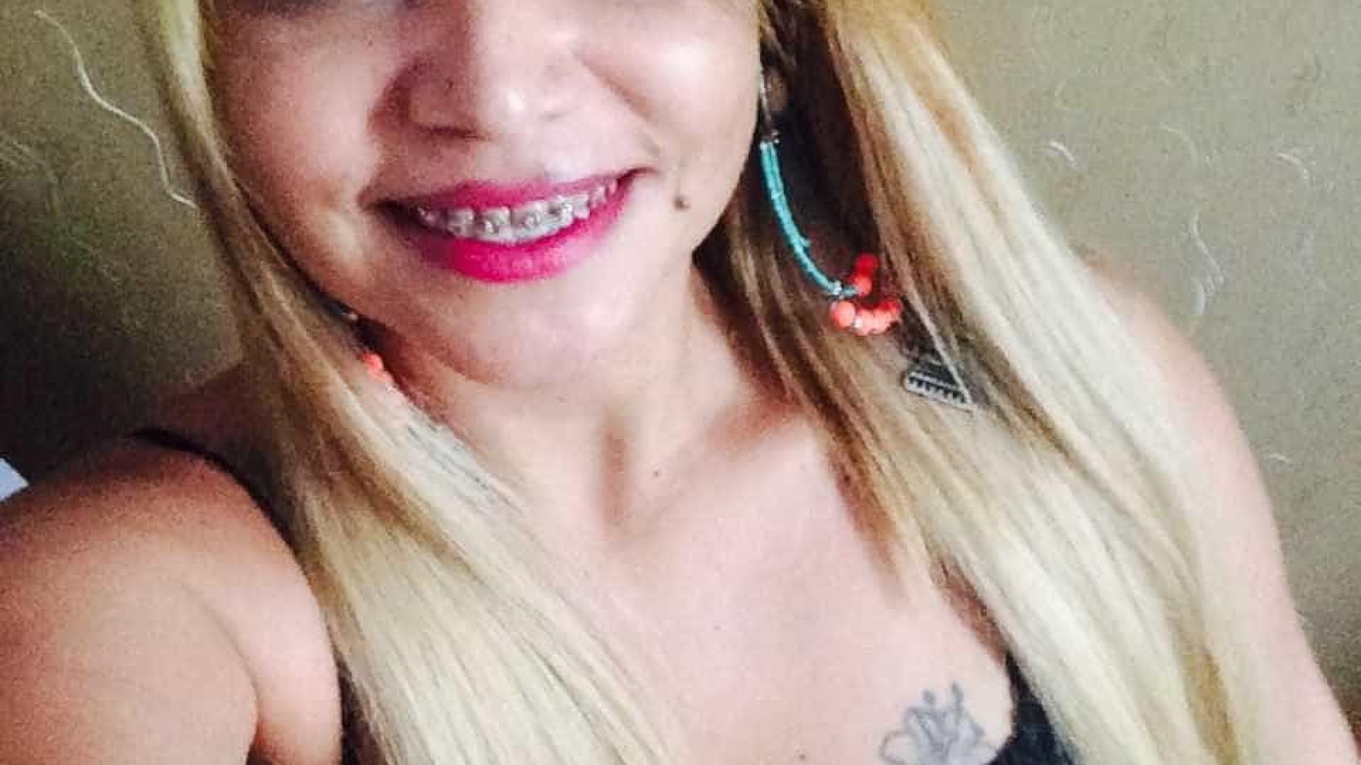 Mulher morre ao cair de sacada de pousada após usar cocaína