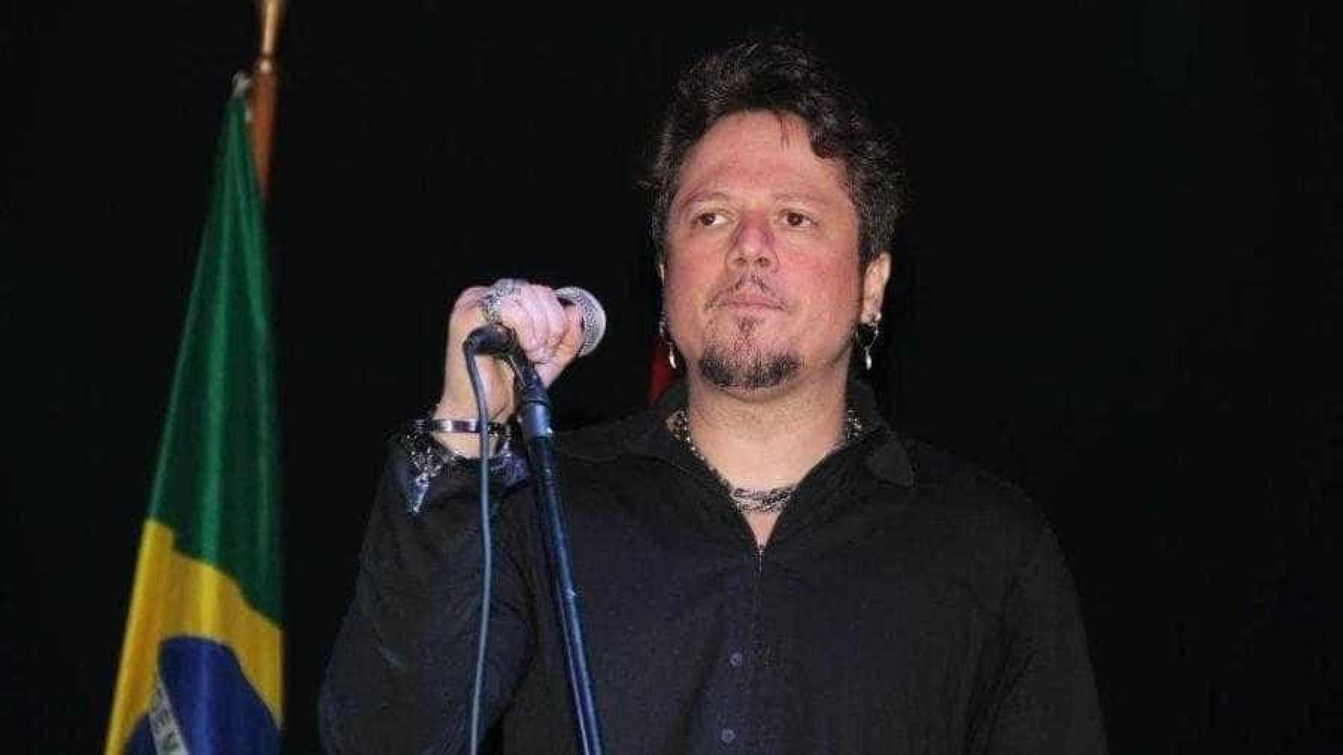 Ricardo Bueno, ex-vocalista do grupo Dominó, morre aos 40 anos