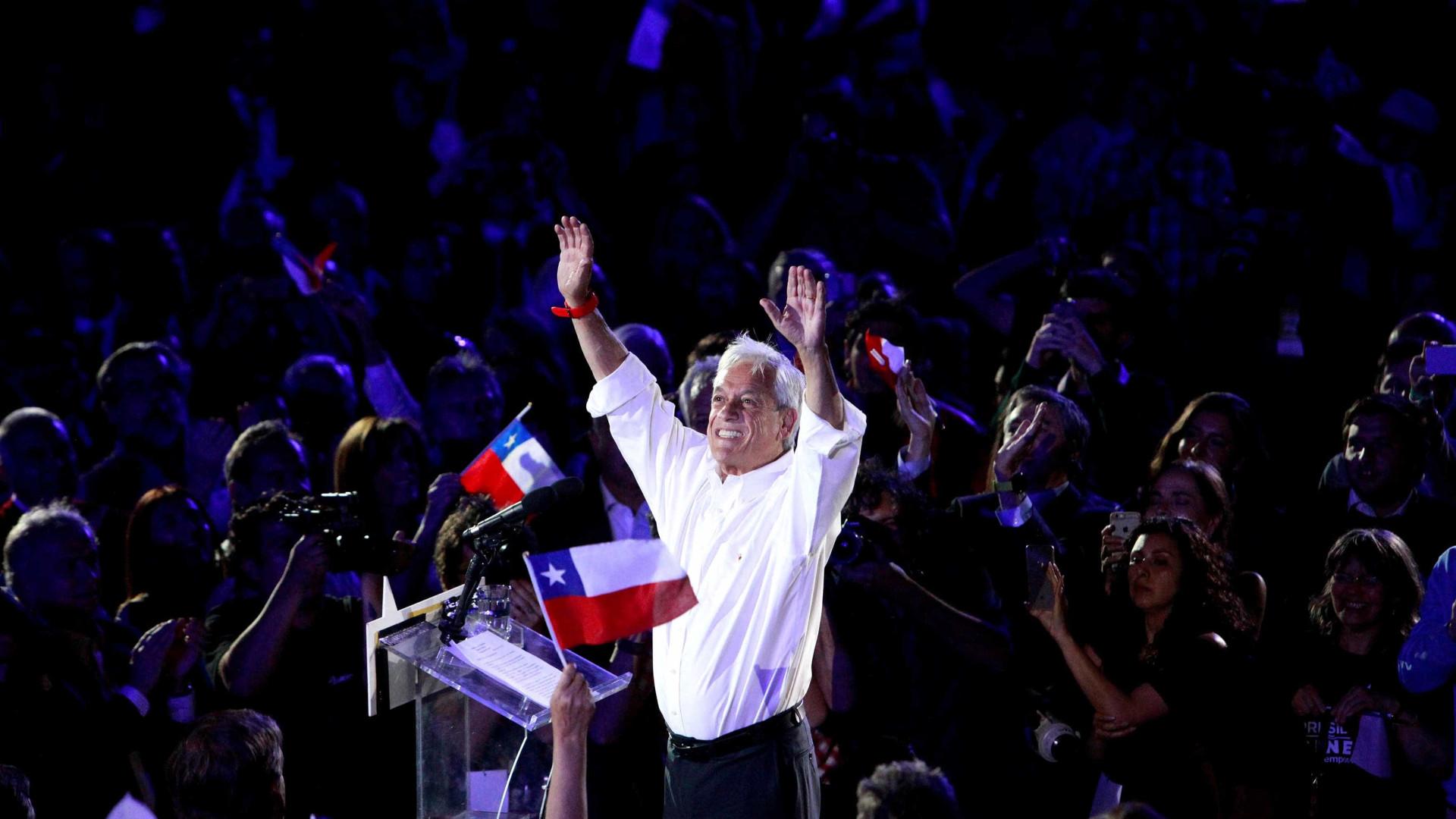 Com esquerda dividida, Piñera é favorito no Chile