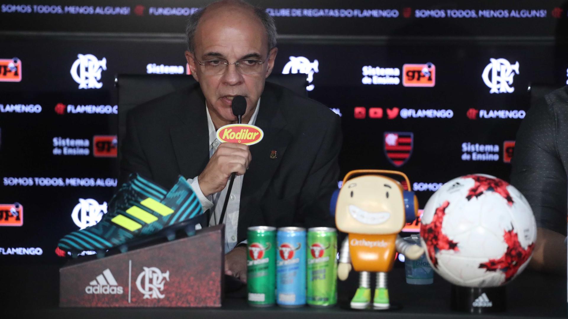 Presidente do Flamengo comenta possível retorno de Adriano: 'Sou fã'