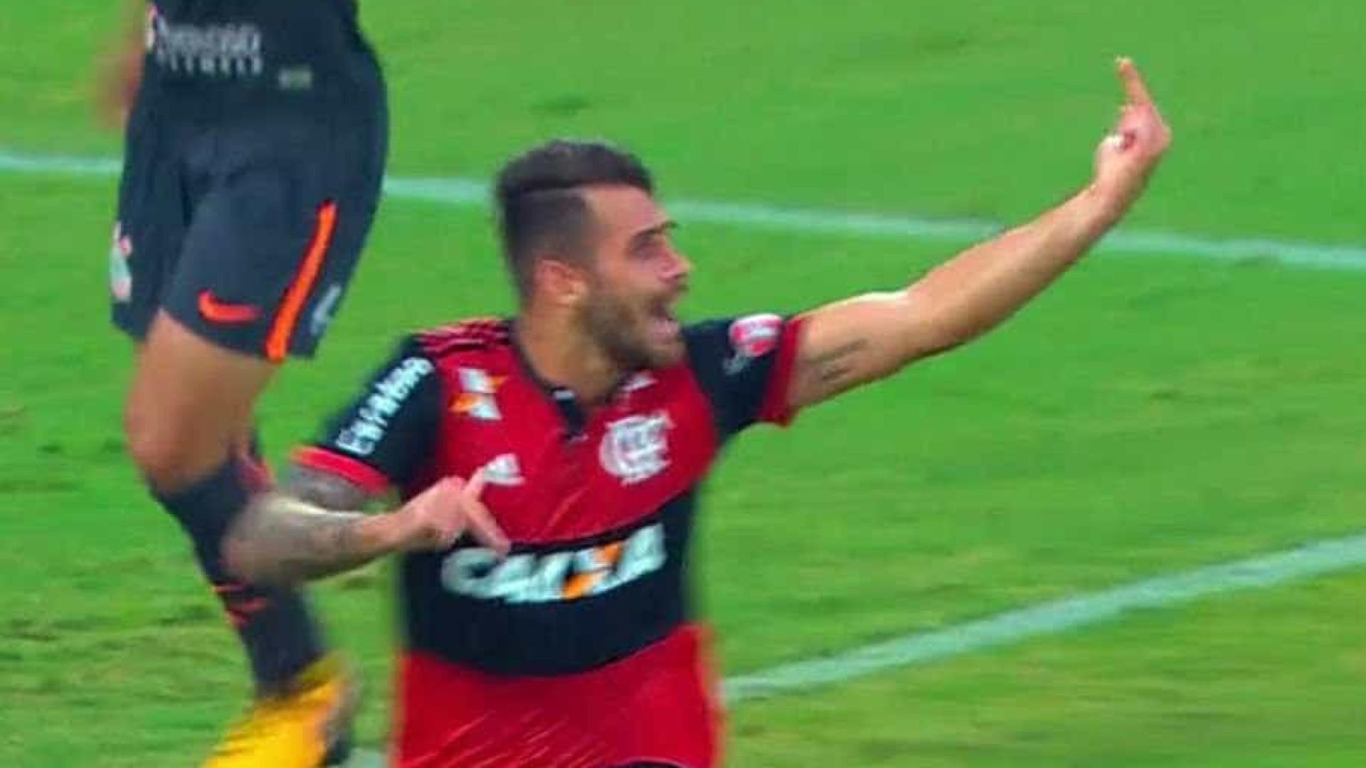 Brasileirão Série A: Flamengo vence Corinthians na Ilha do Urubu