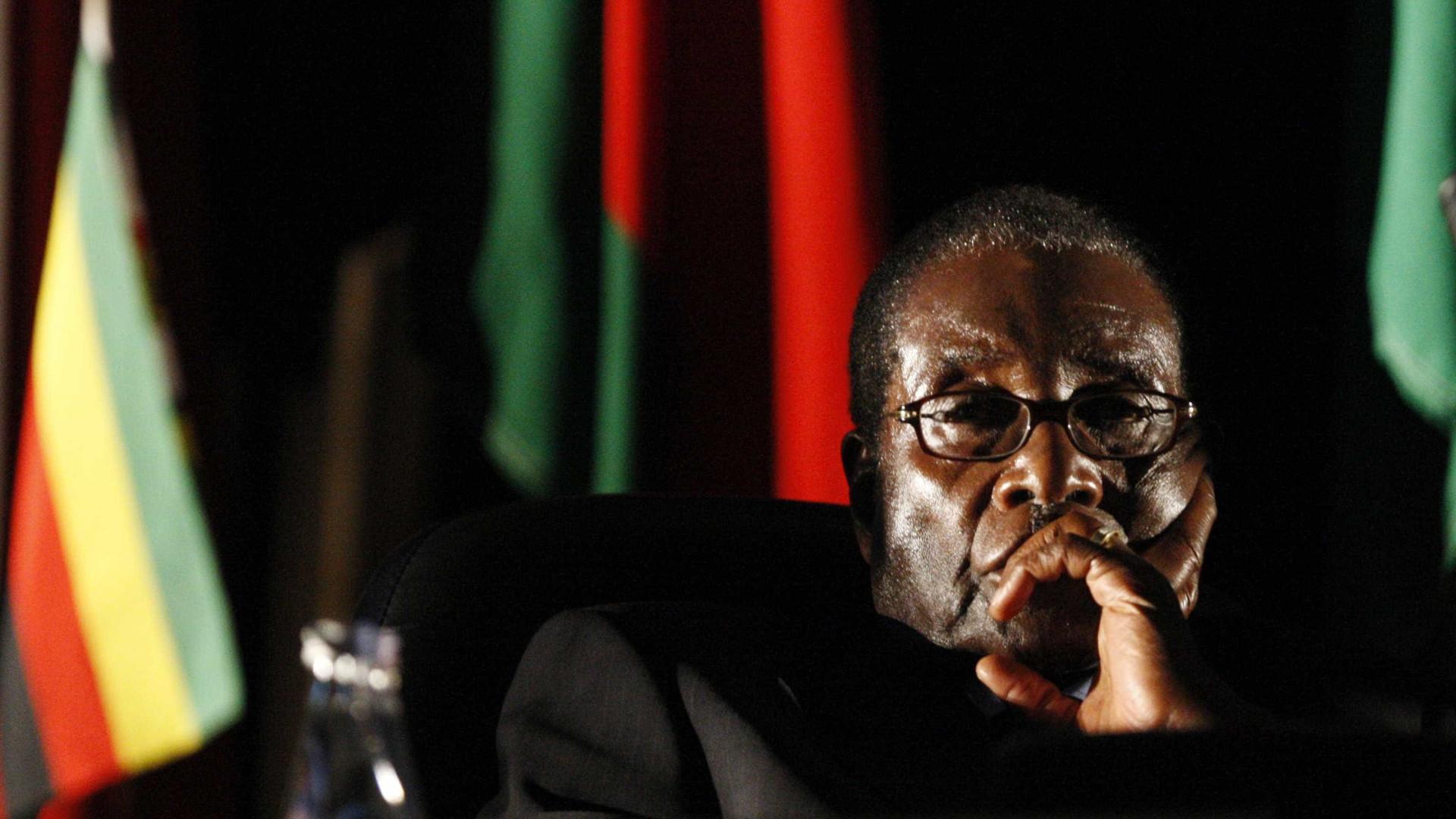 Ex-vice, Mnangagwa toma posse como presidente do Zimbábue amanhã