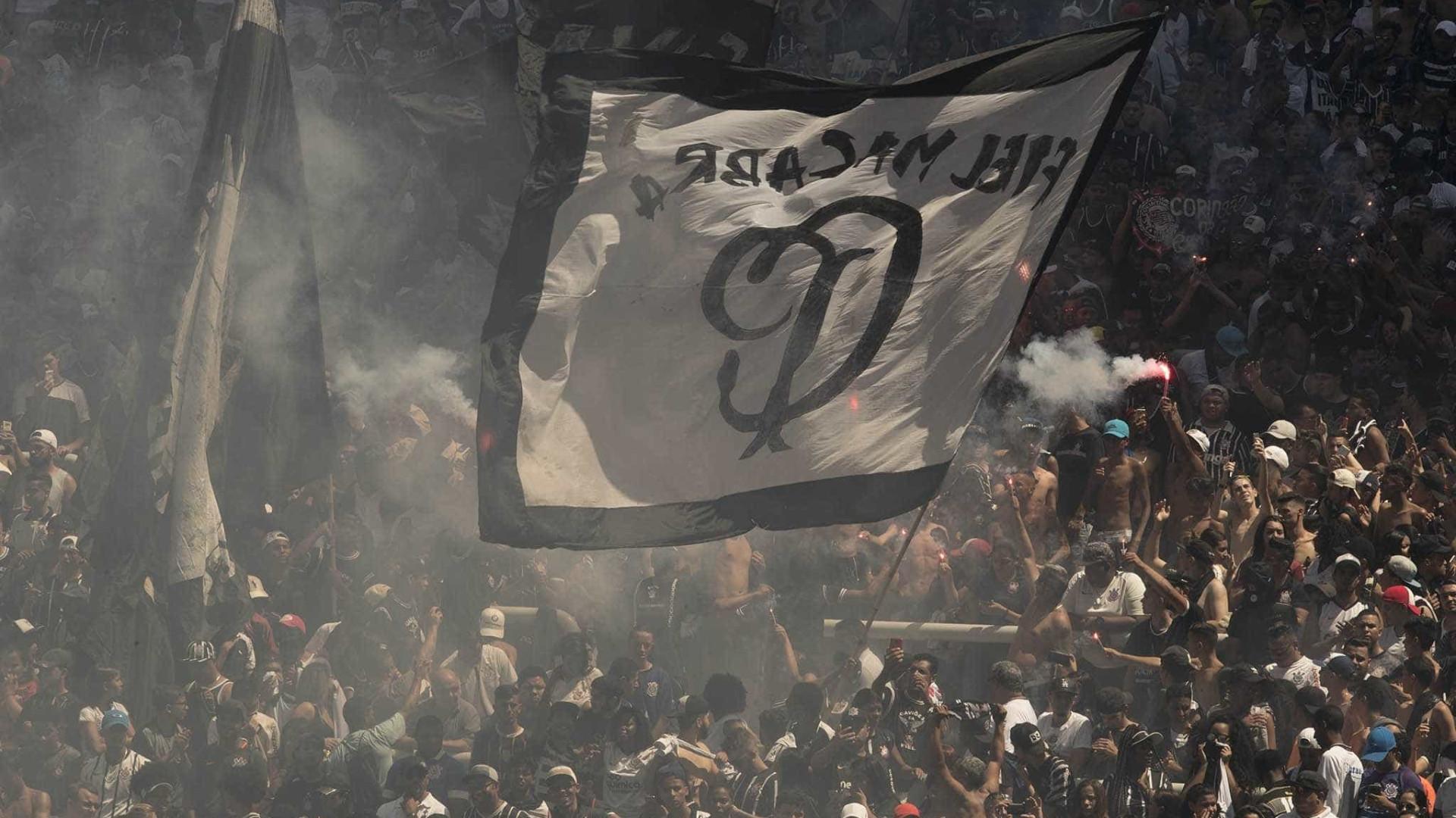 Corinthians sofre, mas supera Sport nos pênaltis e segue em busca do bi