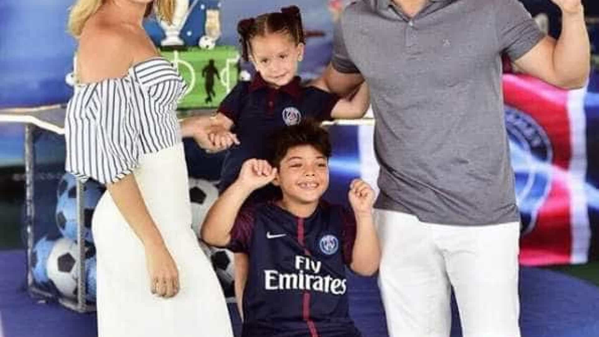 Wesley Safadão reúne ex e atual no aniversário do filho
