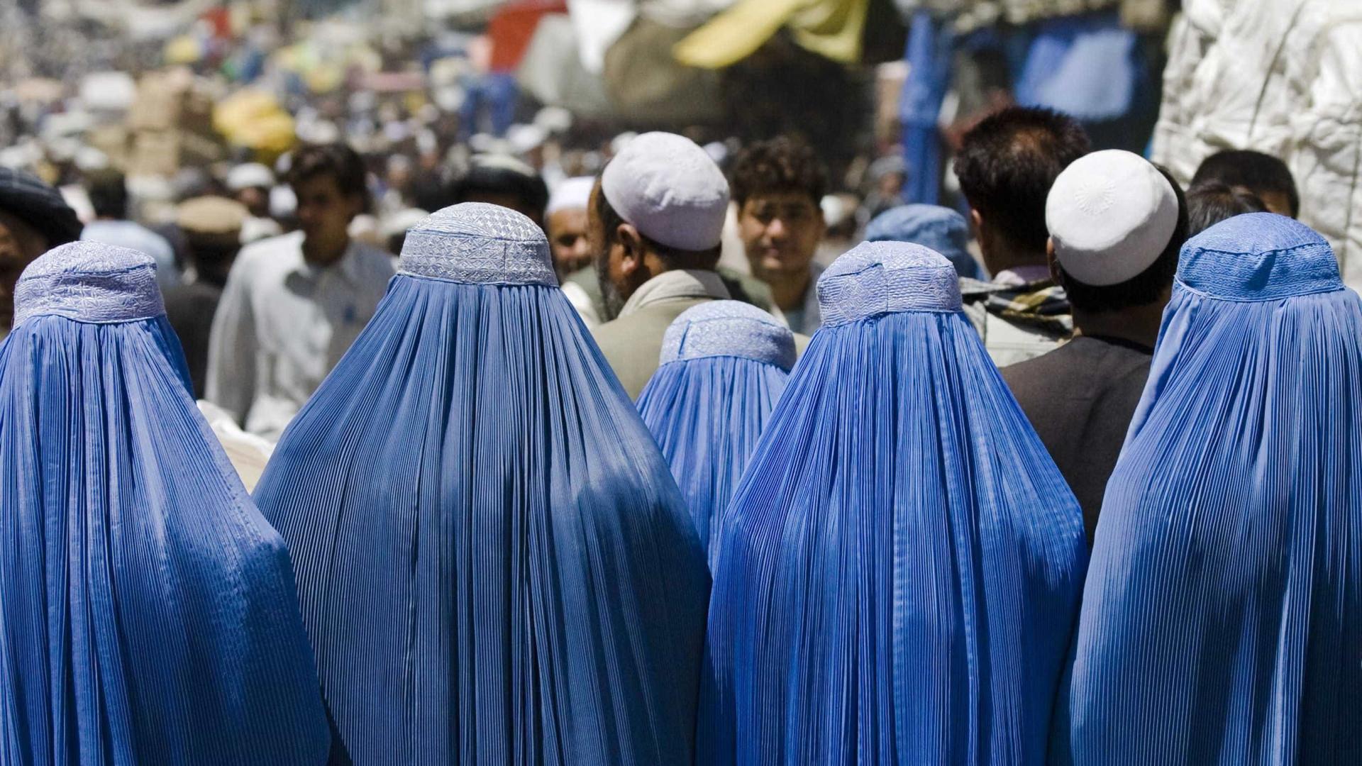 Meninas afegãs são vendidas como esposas por menos de R$ 8 em Cabul