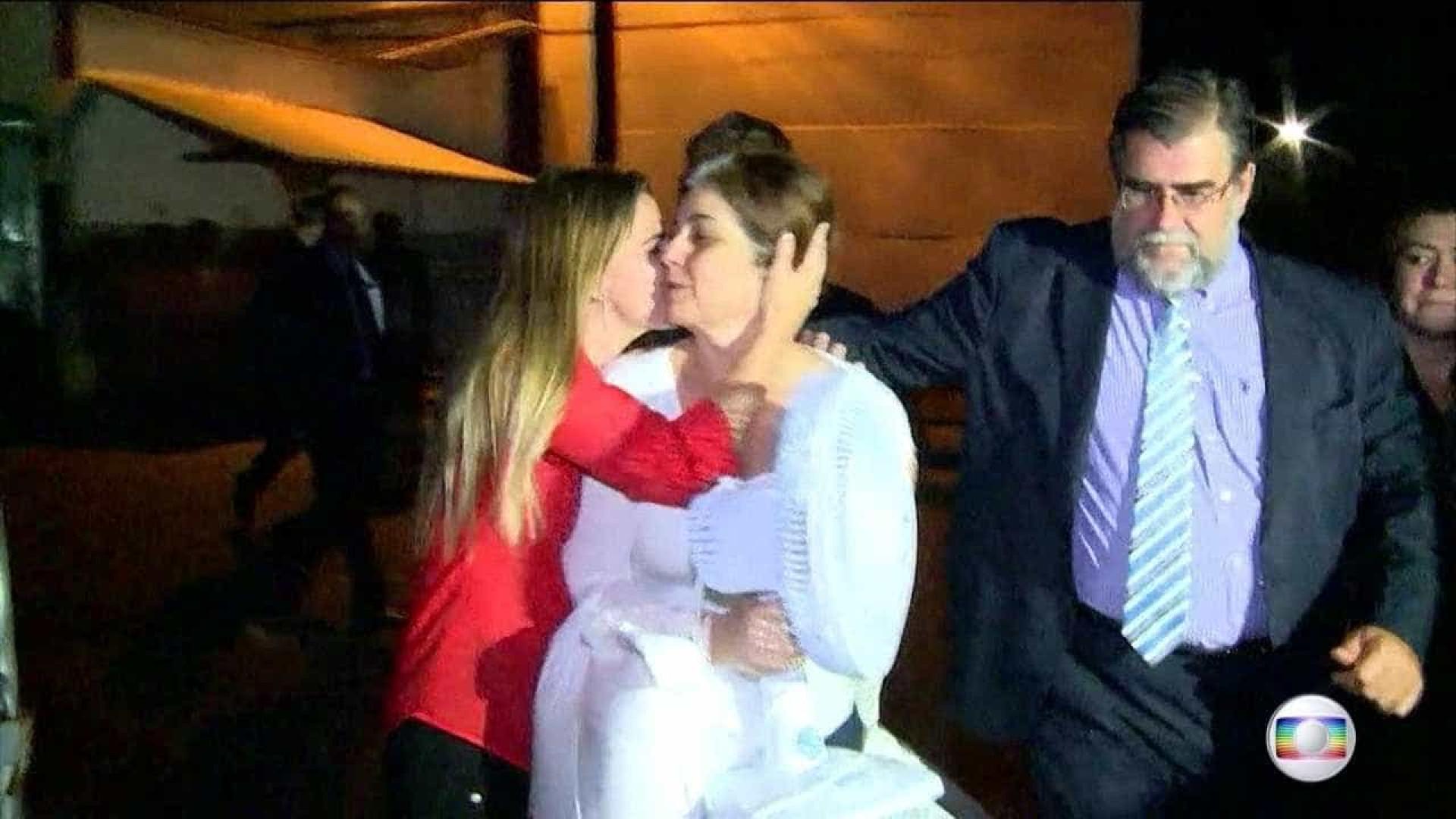Rosinha deixa a prisão