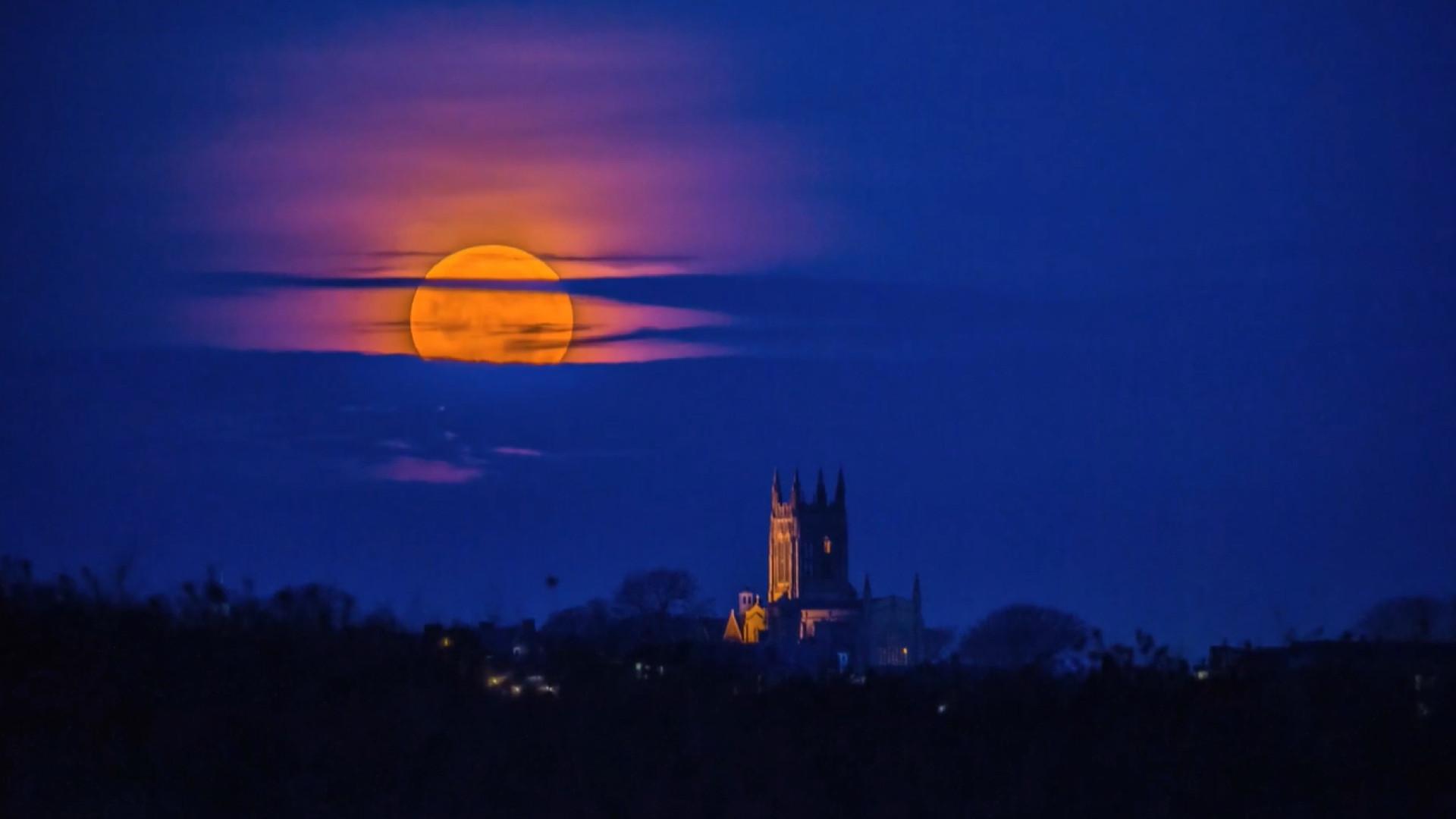 Time-lapse incrível mostra Super Lua no céu de Rhode Island