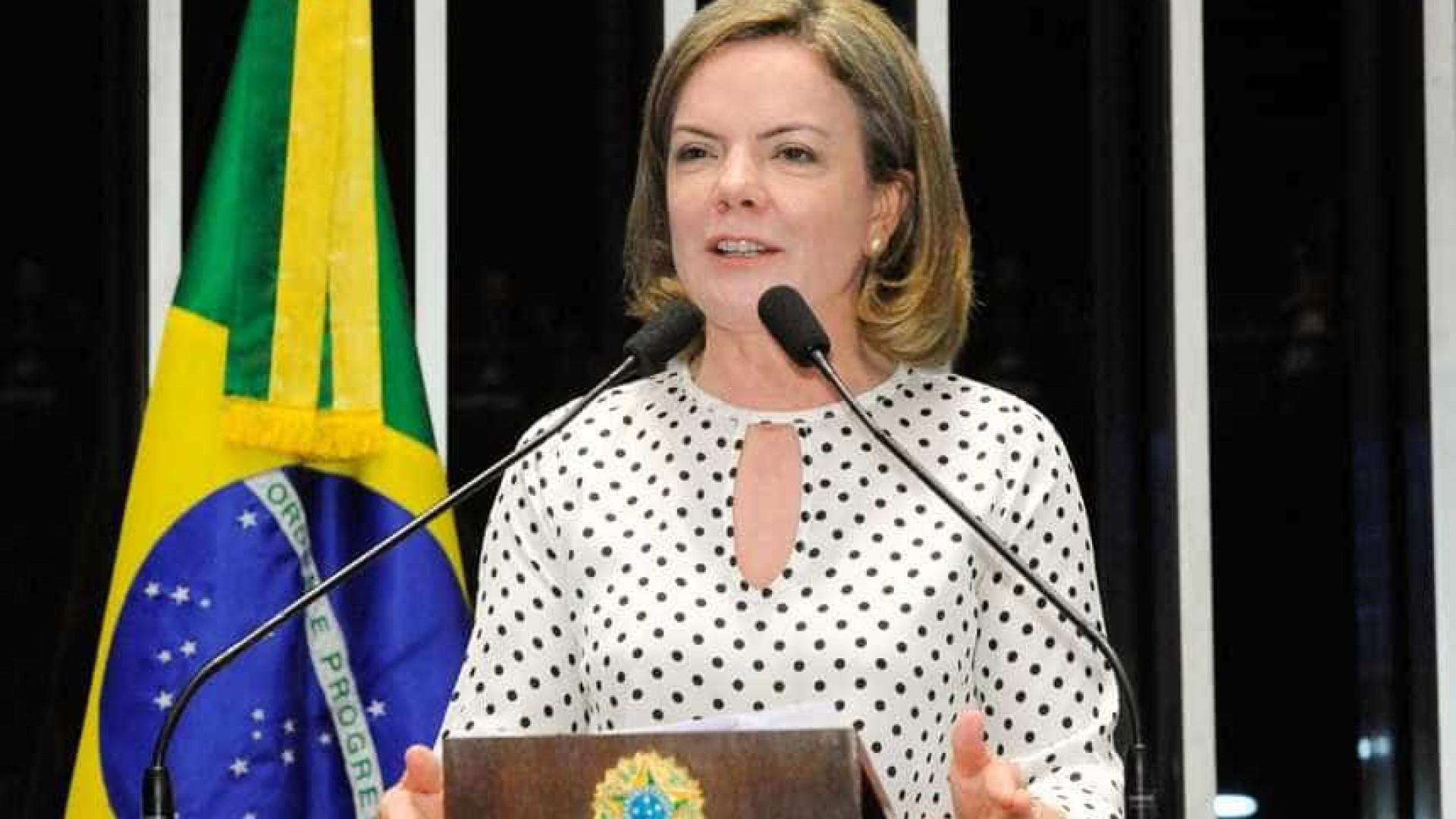Gleisi defende Lula: 'Ganhem nas ruas e no voto! Tenham coragem!'
