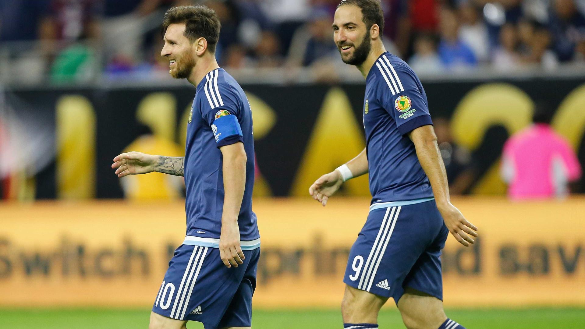 Messi quer Argentina na Copa com Higuaín no time: 'Ele é fundamental'