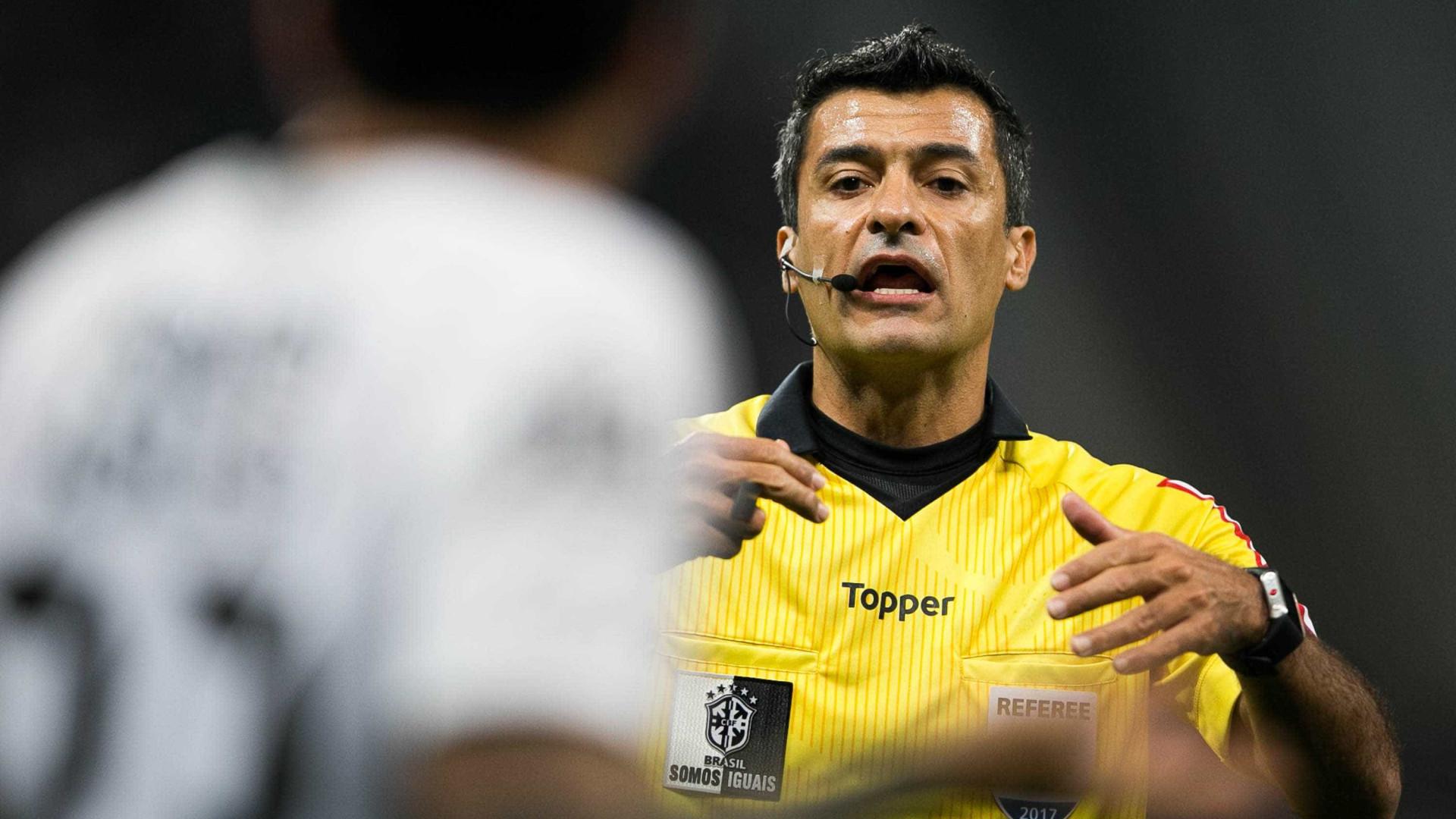 Mesmo na Copa, árbitro mantém salário de R$ 25 mil do governo federal