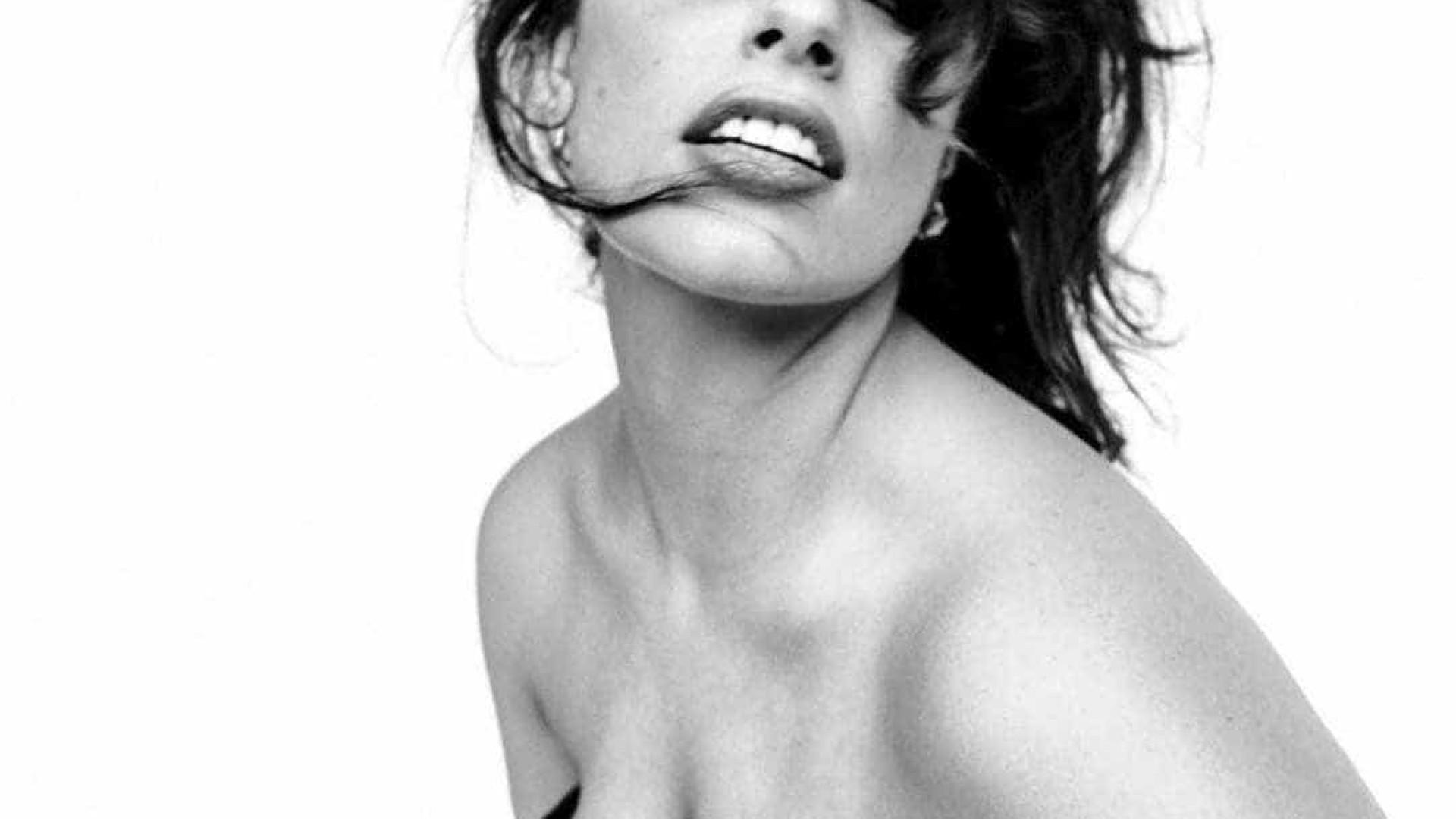 Curvas e mais curvas: Ashley Graham posa para a 'Vogue Itália'