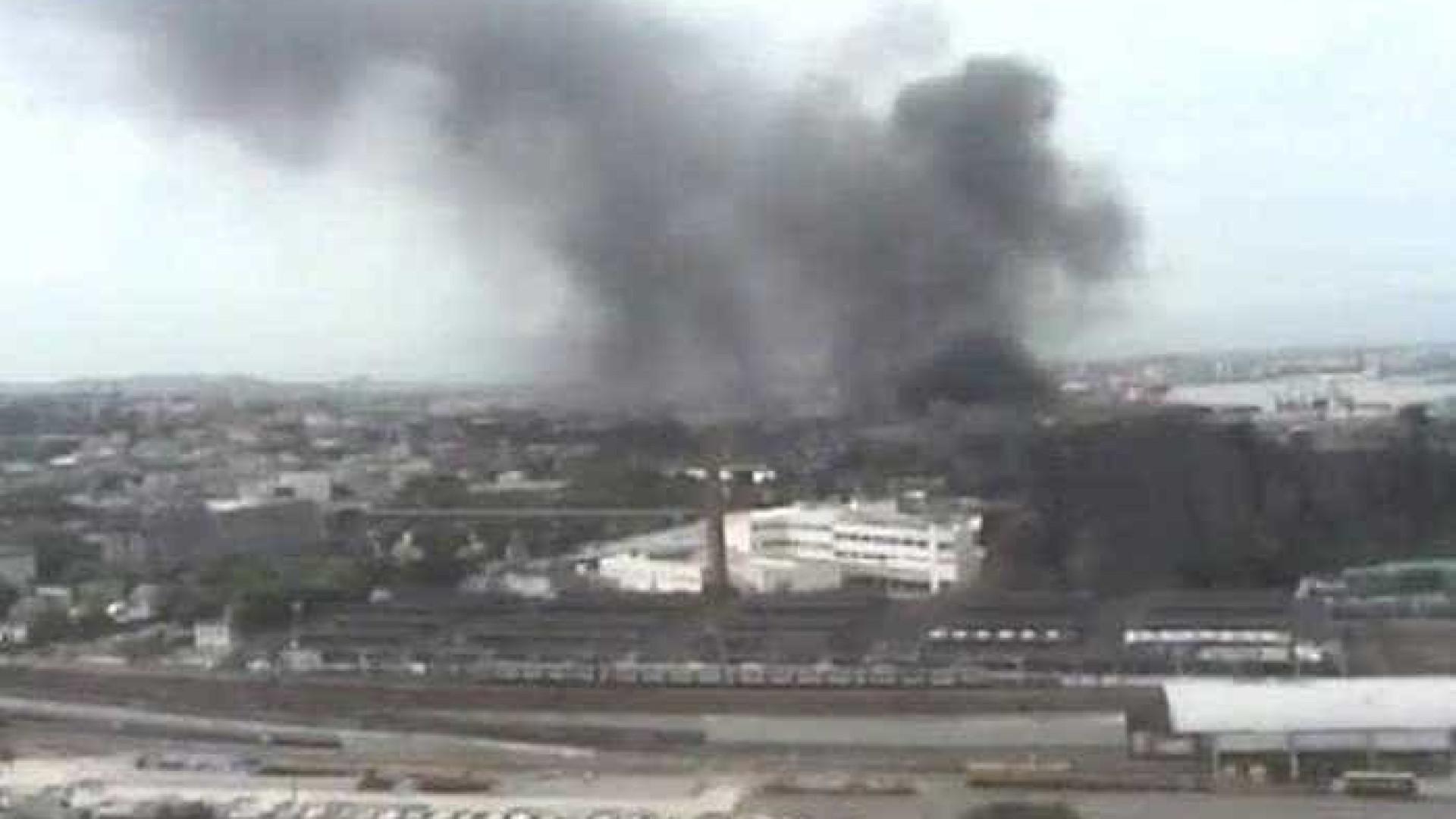 Incêndio atinge barracão da escola de samba Renascer de Jacarepaguá