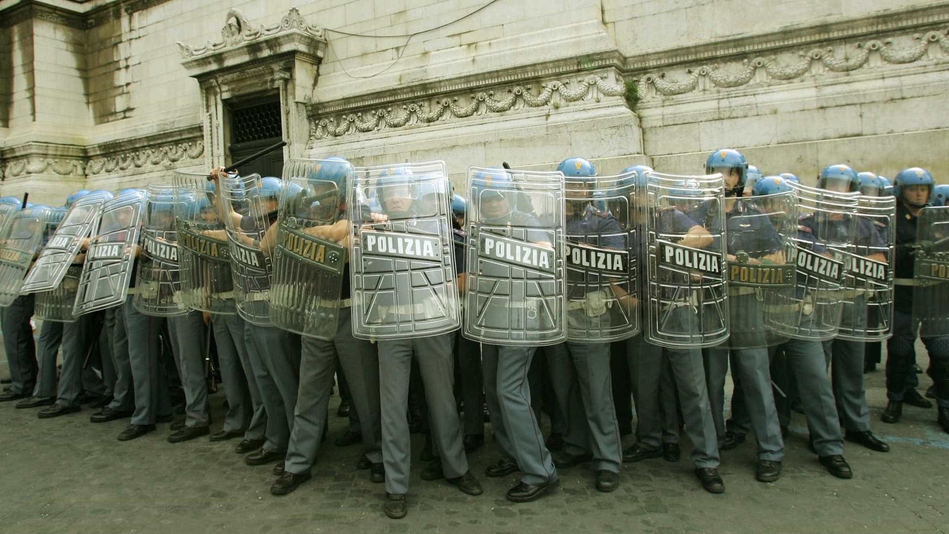 Anarquistas reivindicam bomba contra polícia em Roma