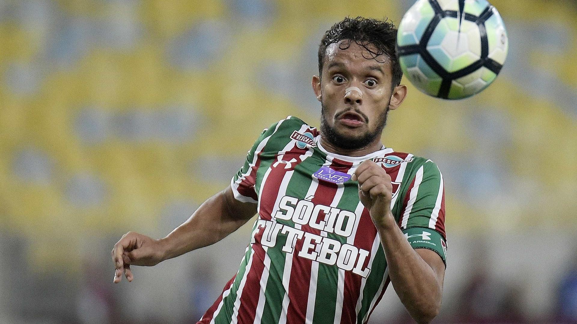 São Paulo vê Fluminense disposto e se aproxima de Scarpa