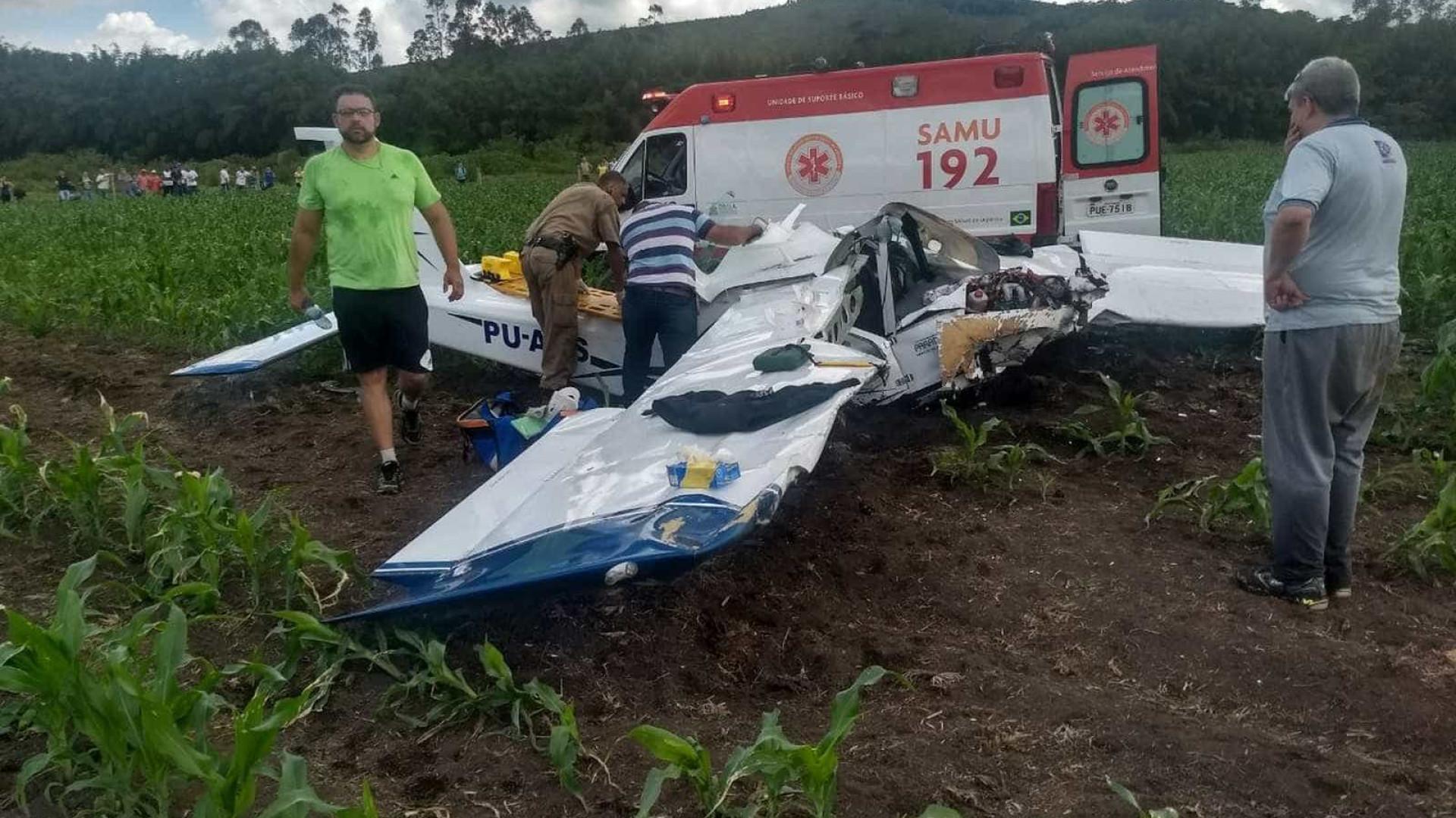 Avião monomotor cai em MG; há morto e feridos