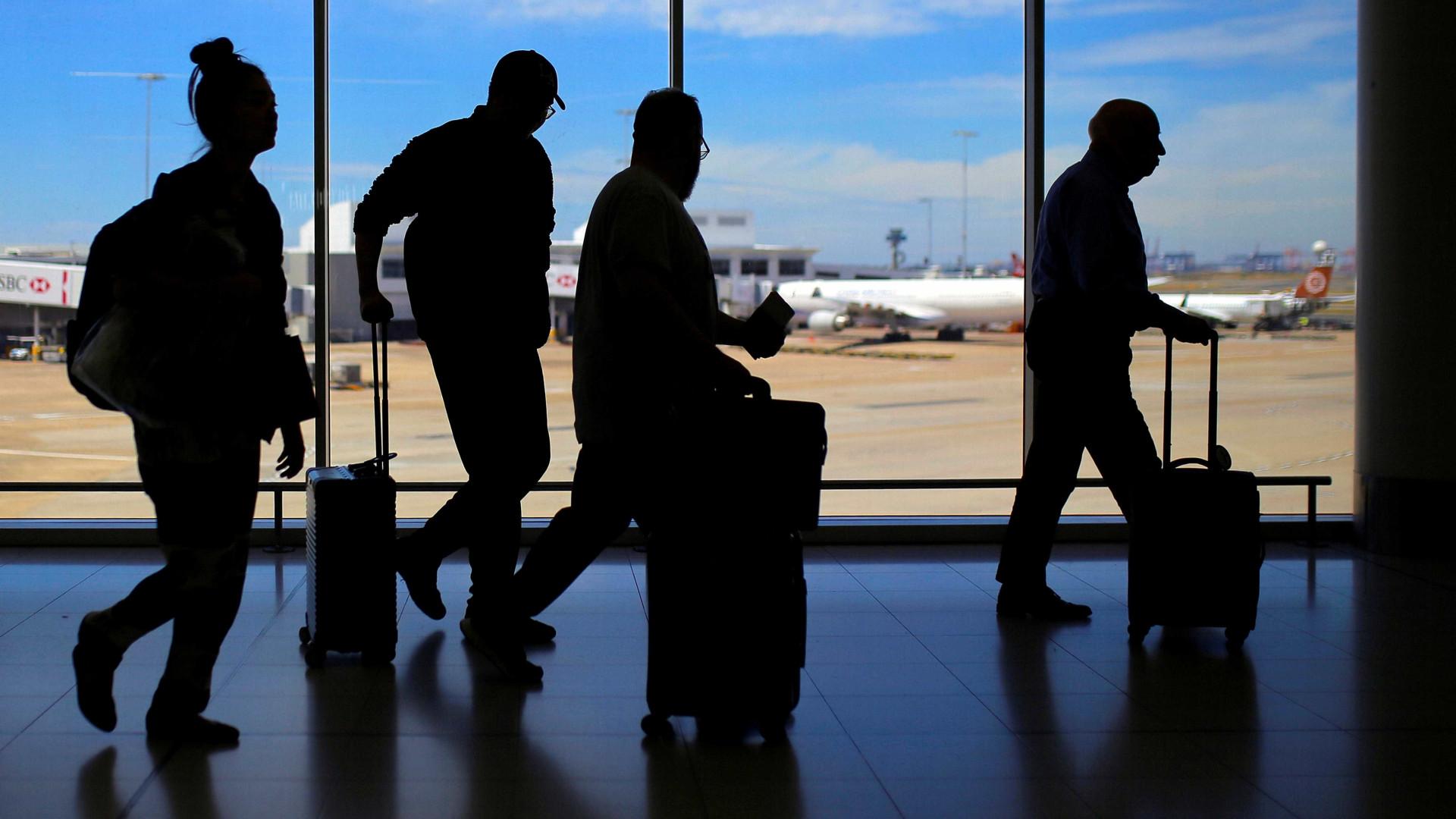 Família recebe R$ 20 mil após menina ficar 2 dias em aeroporto