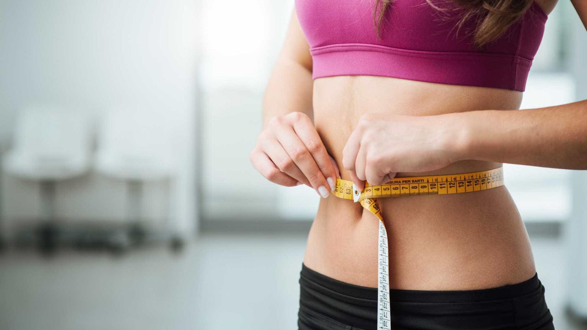 Sem 'pneuzinhos' e com mais saúde: eis os truques para uma barriga lisa