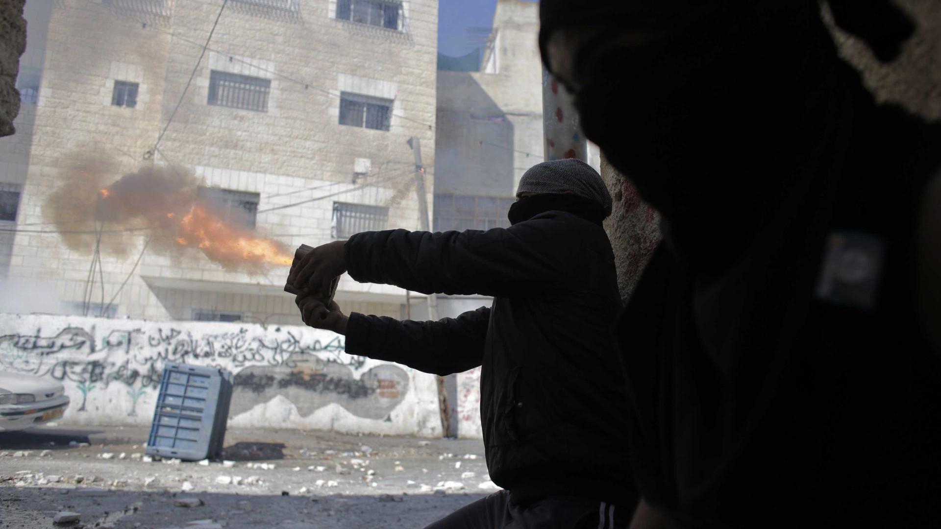 Aviões de Israel atacam alvos militares da Síria perto de Damasco