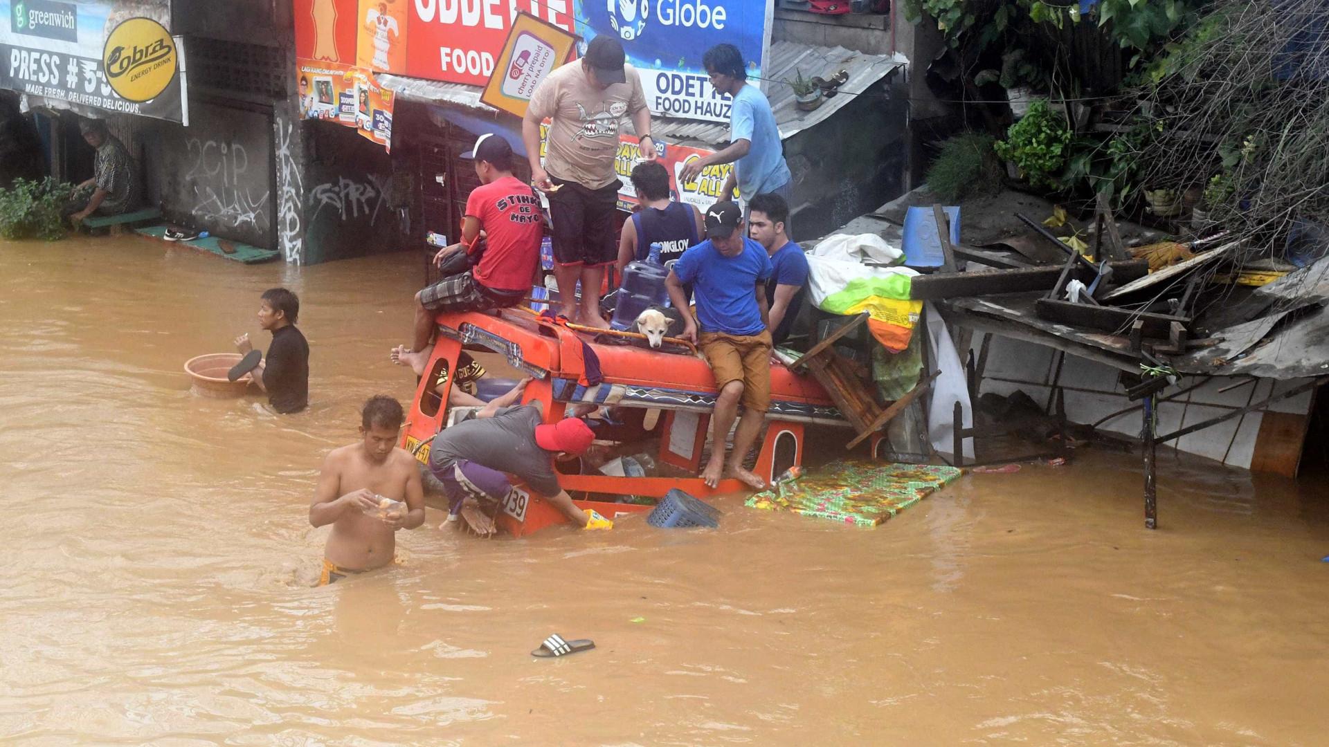 Sobe para 240 o número de mortos após tempestade nas Filipinas