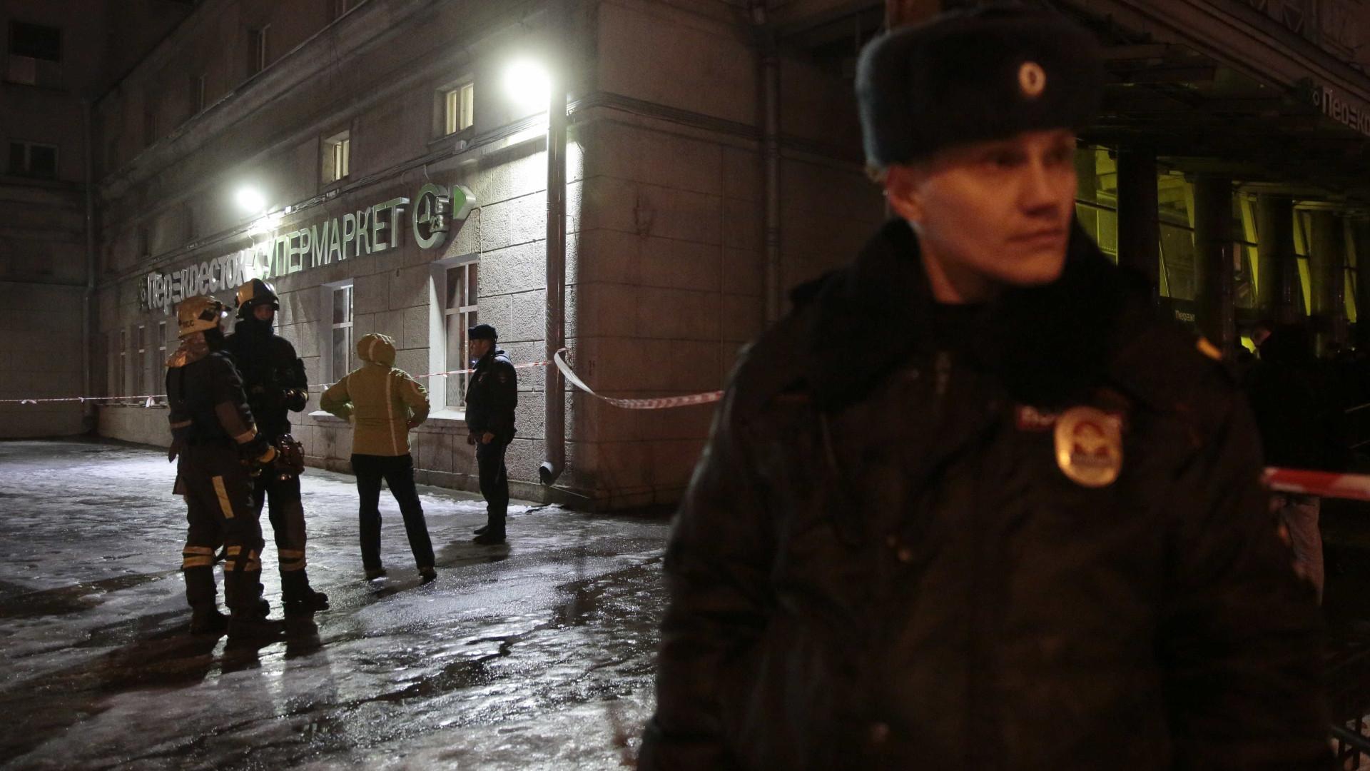 Explosão em supermercado de São Petersburgo faz pelo menos 10 feridos