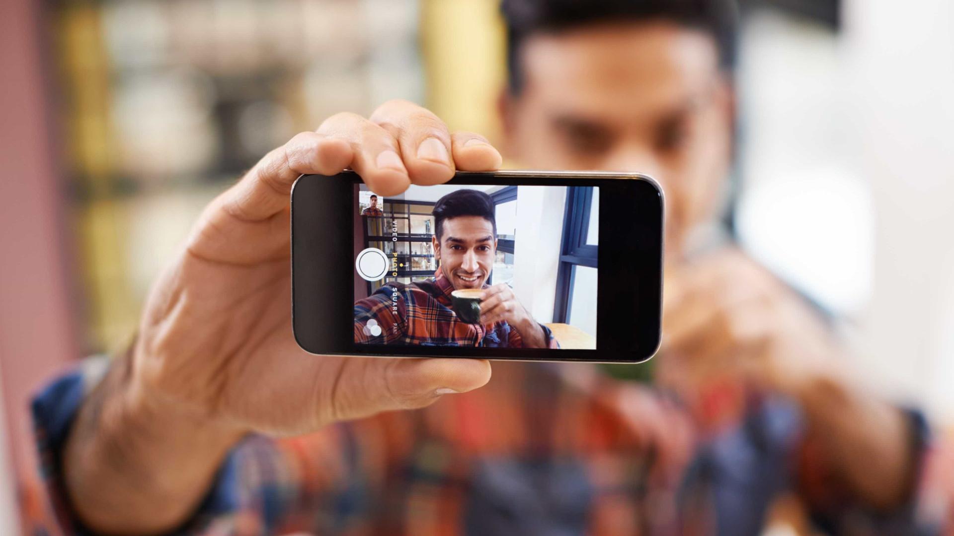 Selfitis: o transtorno mental causado pelo vício de selfies