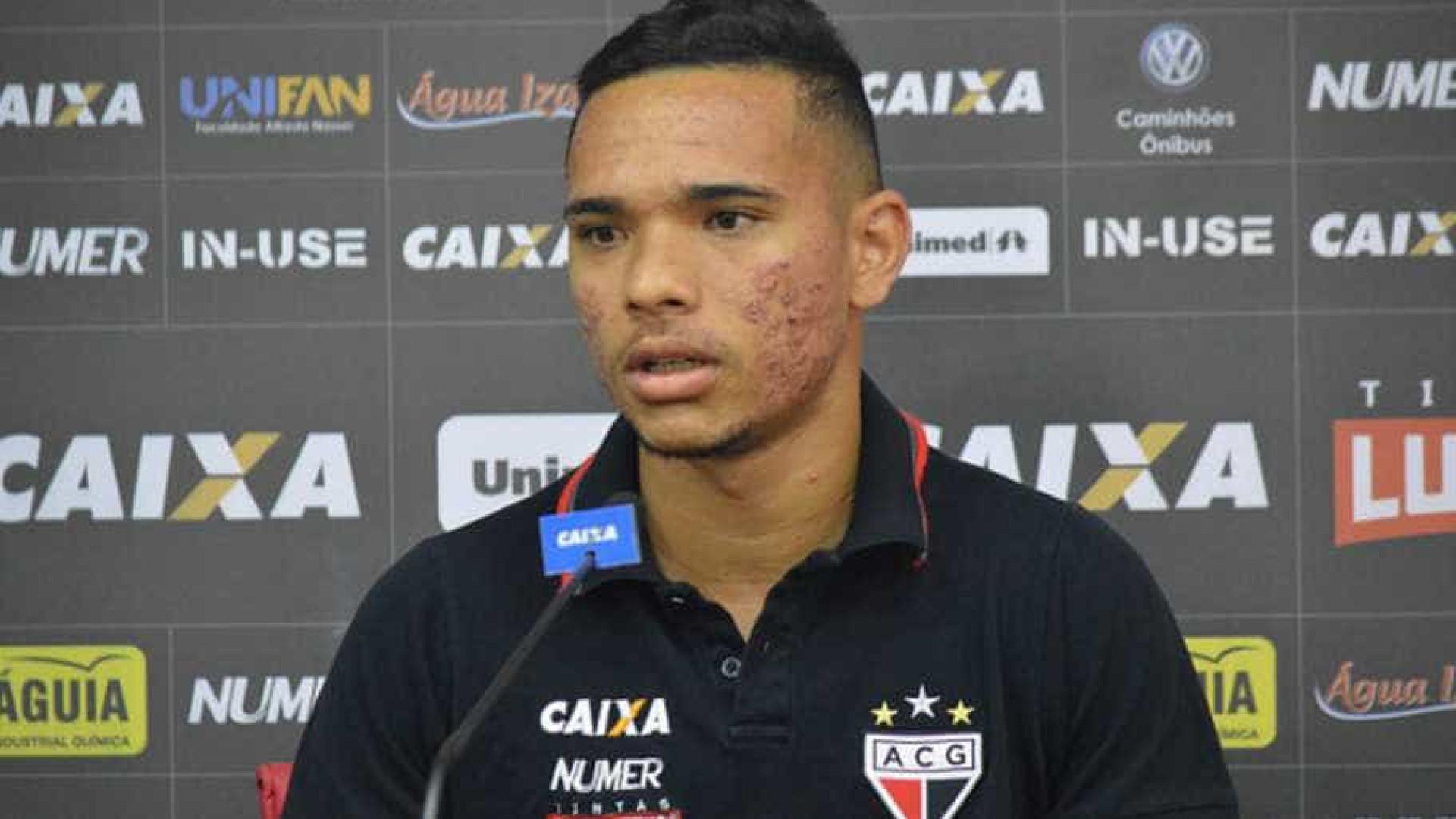 Botafogo anuncia a contratação de destaque do Atlético-GO