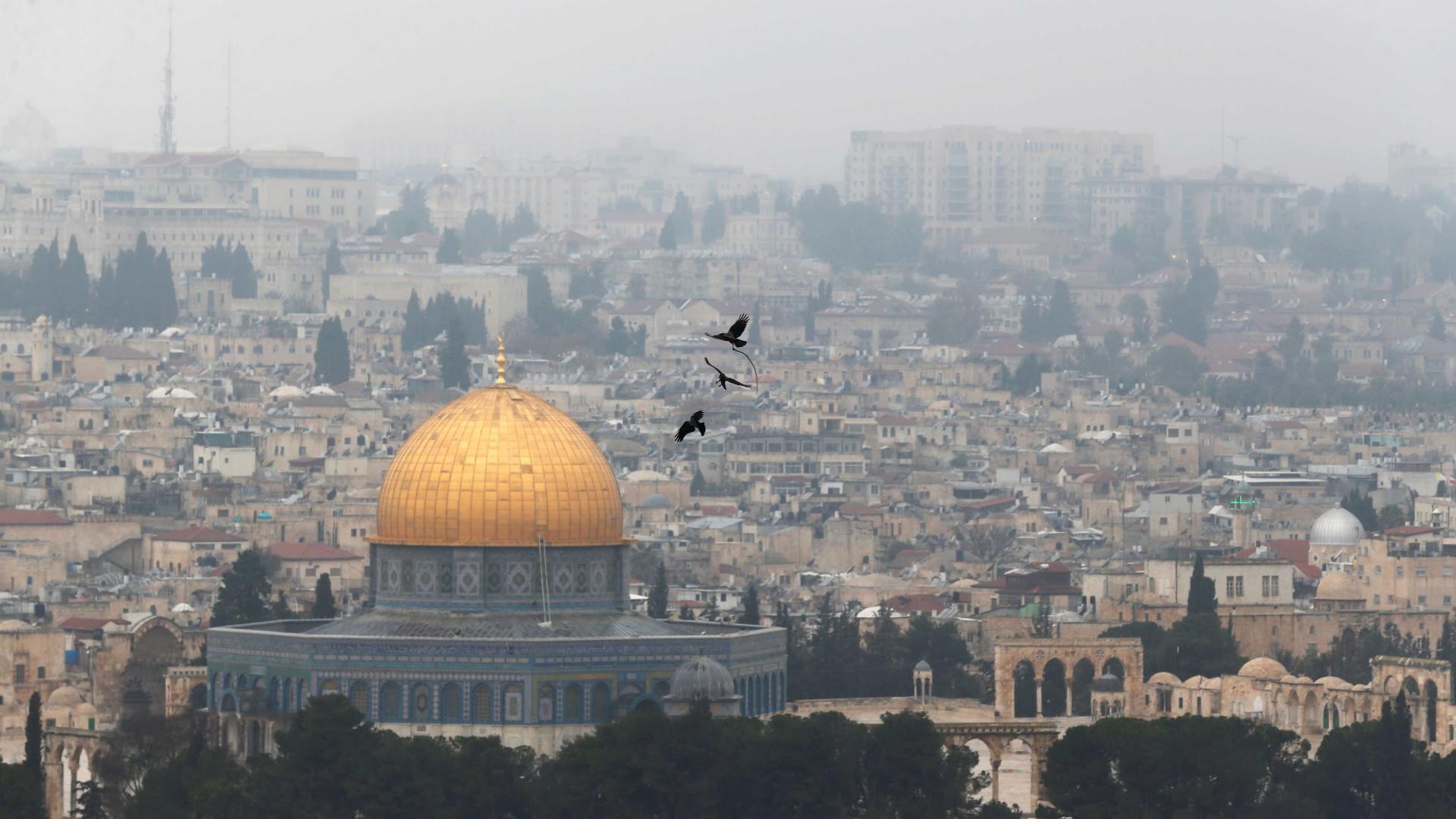 Donald Trump ameaça cortar a ajuda financeira aos palestinianos