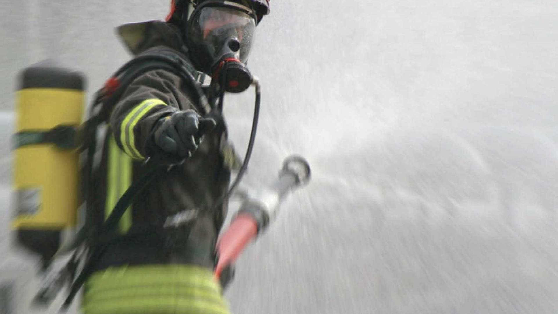 Incêndio atinge ocupação na Zona Oeste do Recife