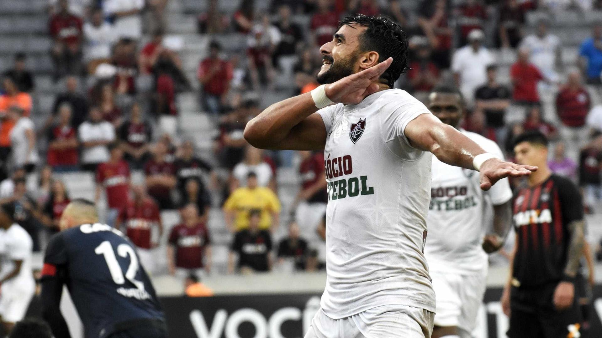 Presidente do Fluminense descarta Henrique Dourado no Corinthians