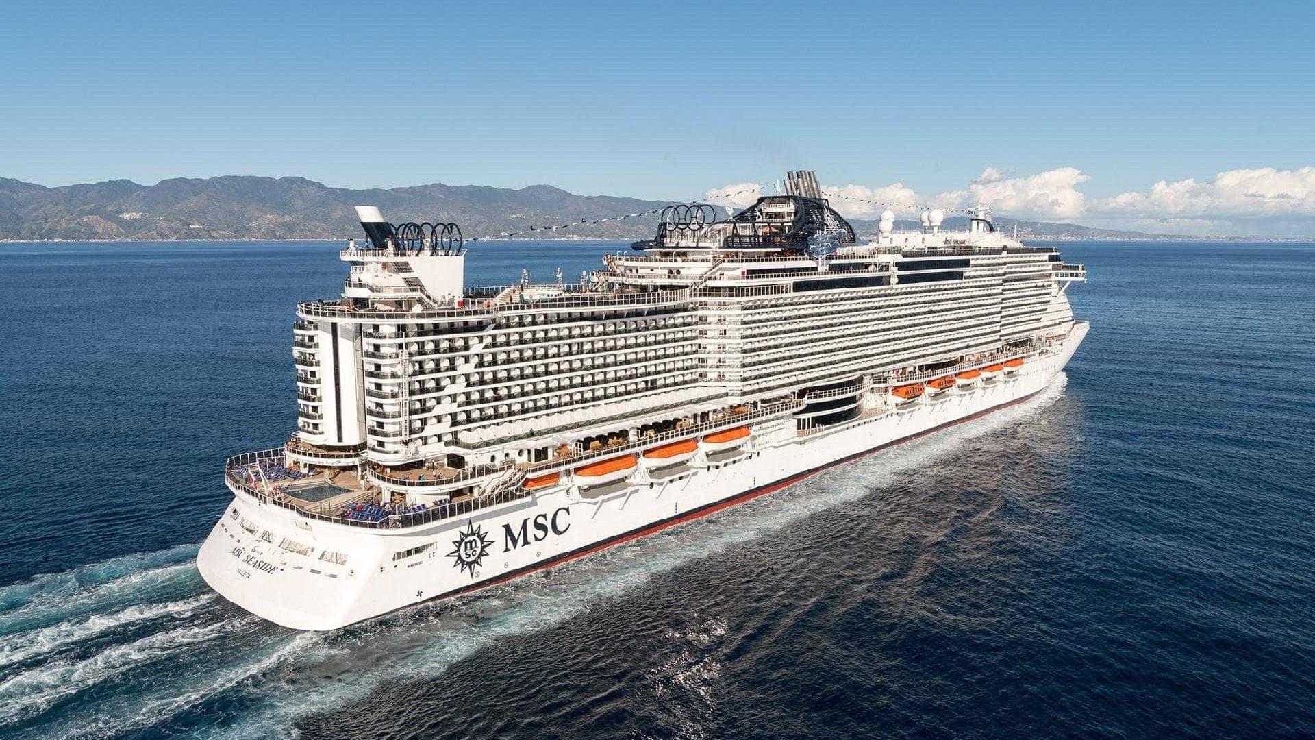 Com tobogã sobre o mar, navio para mais de 5 mil pessoas chega em 2018