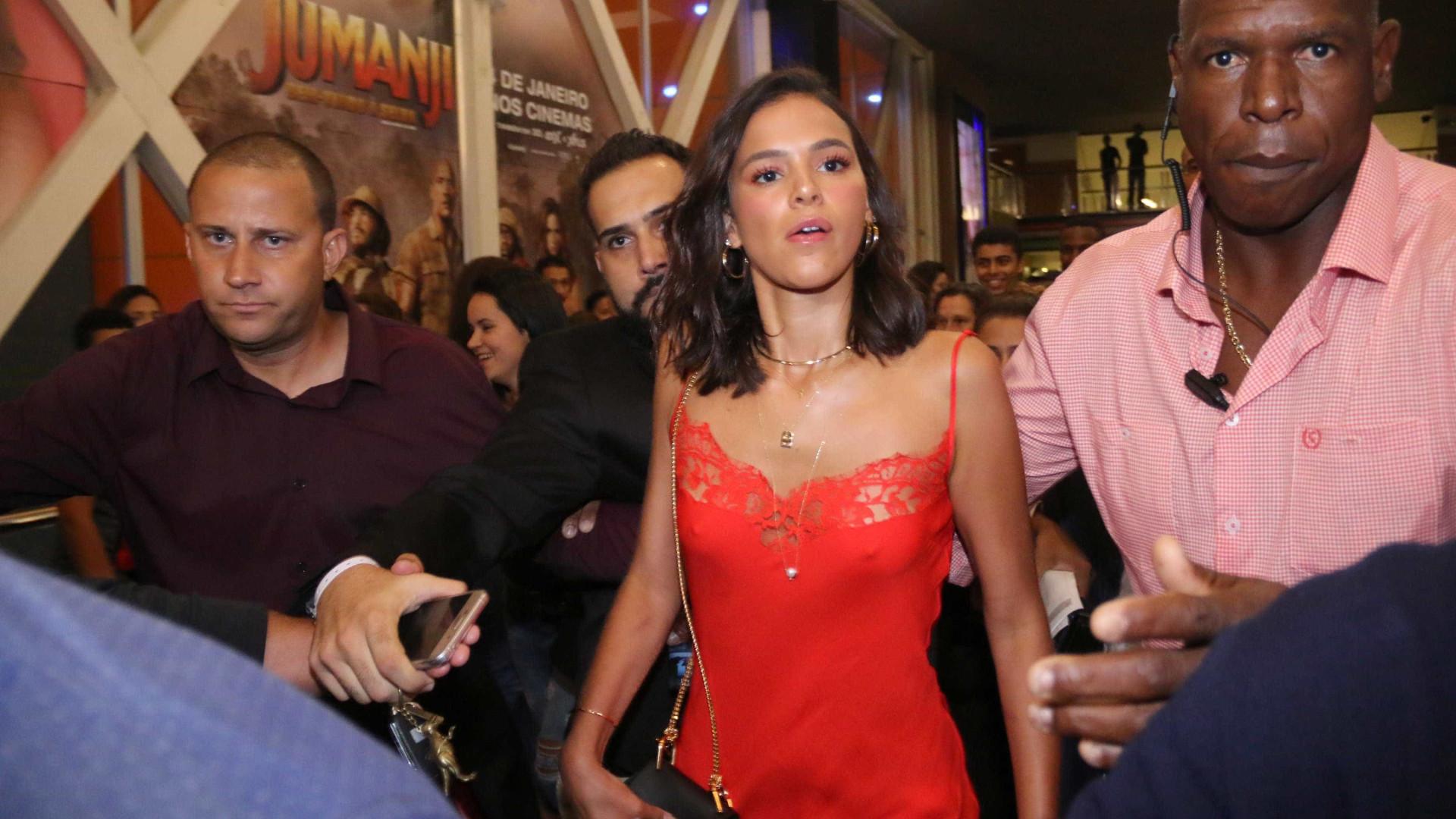 Vestido de Bruna Marquezine é de grife francesa e custa R$ 7 mil