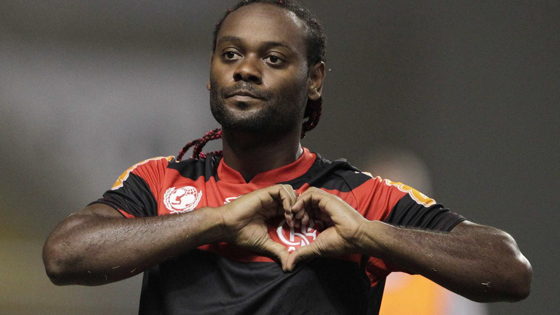 Flamengo deve oferecer salário de R$ 600 mil a Vagner Love