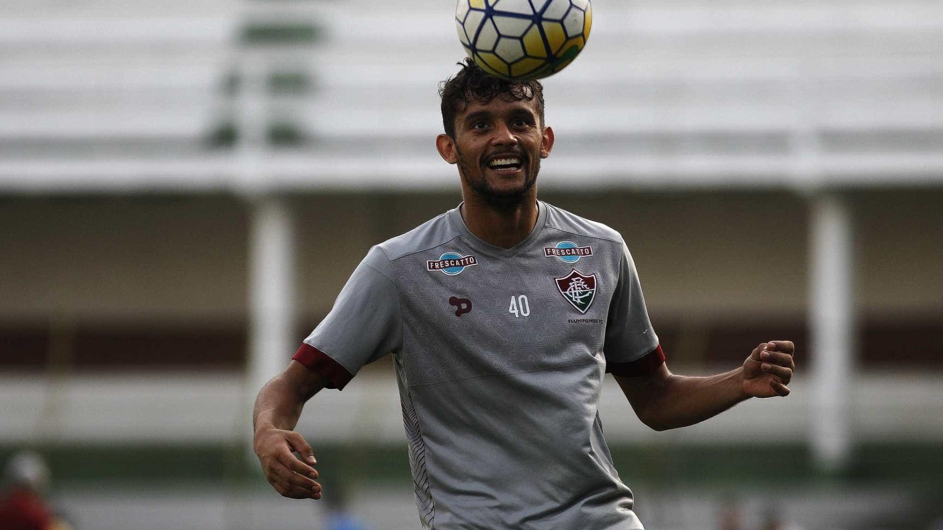 Briga sem fim: Fluminense acusa Gustavo Scarpa de má-fé