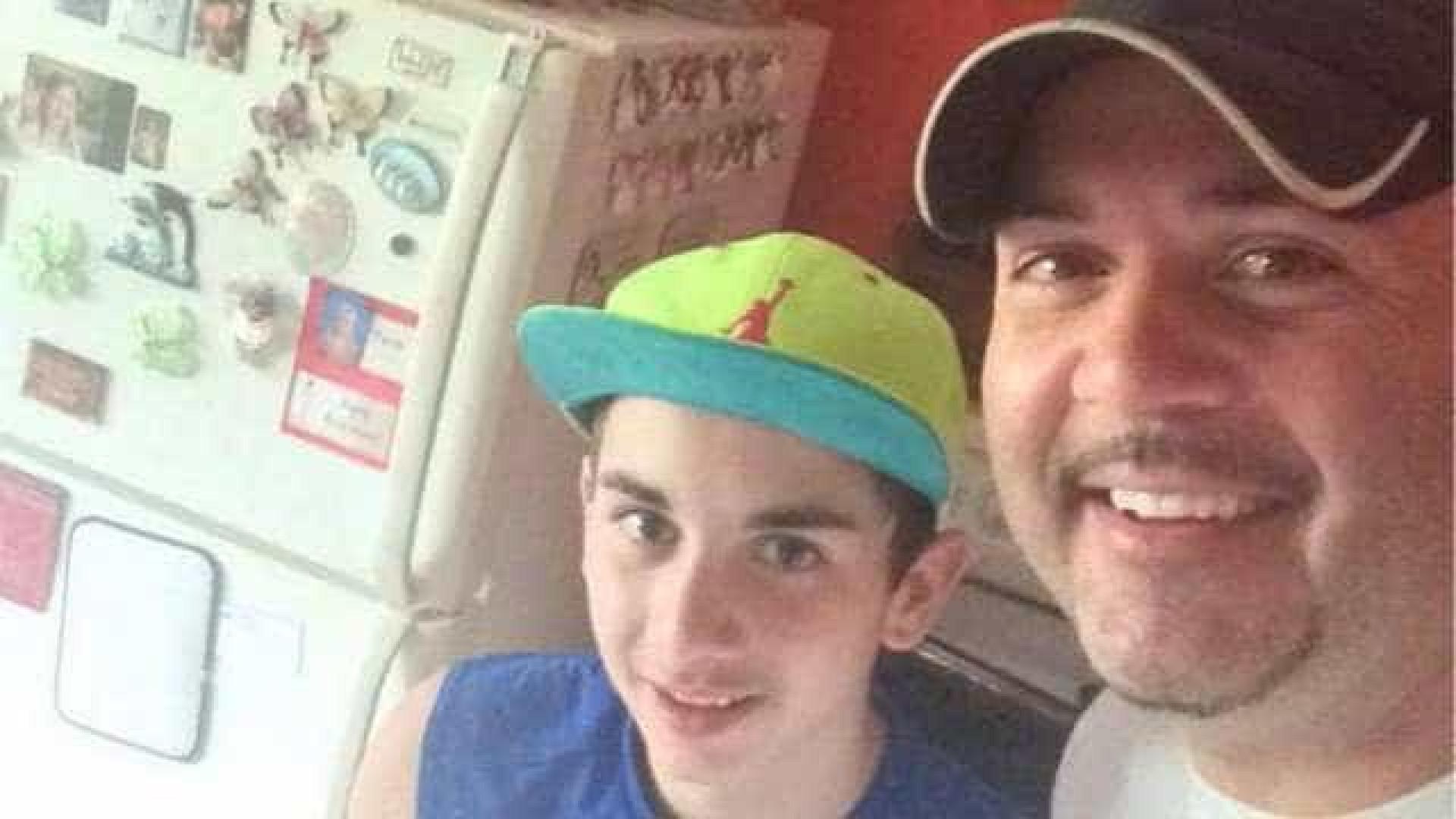 Pai acha foto de criança nua no celular do filho e o entrega à polícia