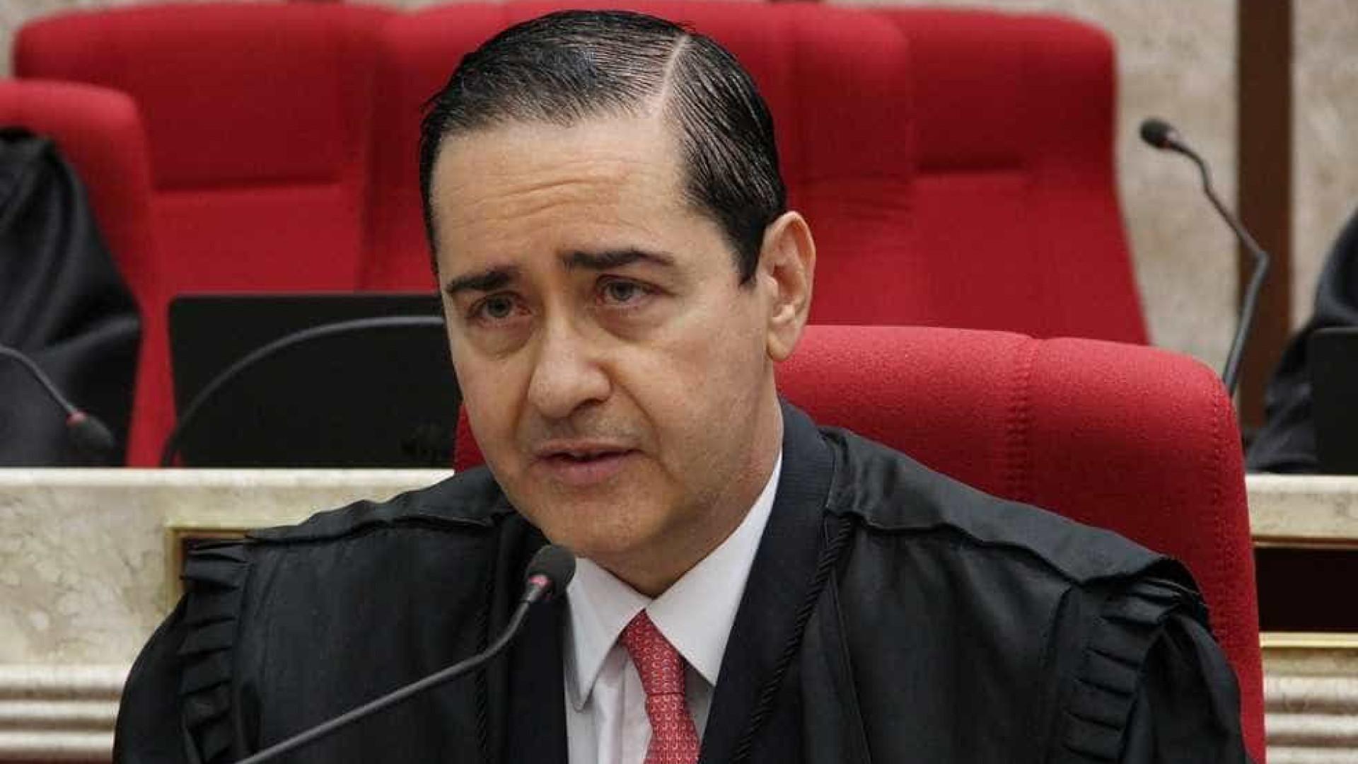 Presidente do TRF-4 quer se fazer de vítima, diz vice-presidente do PT