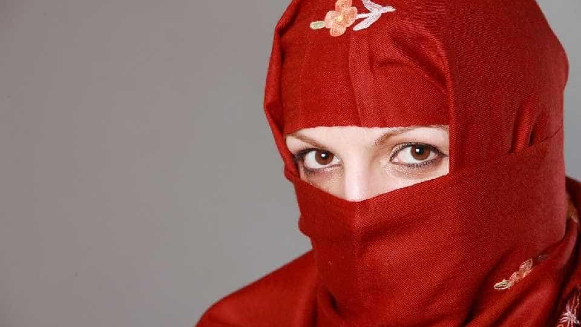 Apps de transporte buscam mulheres motoristas na A. Saudita